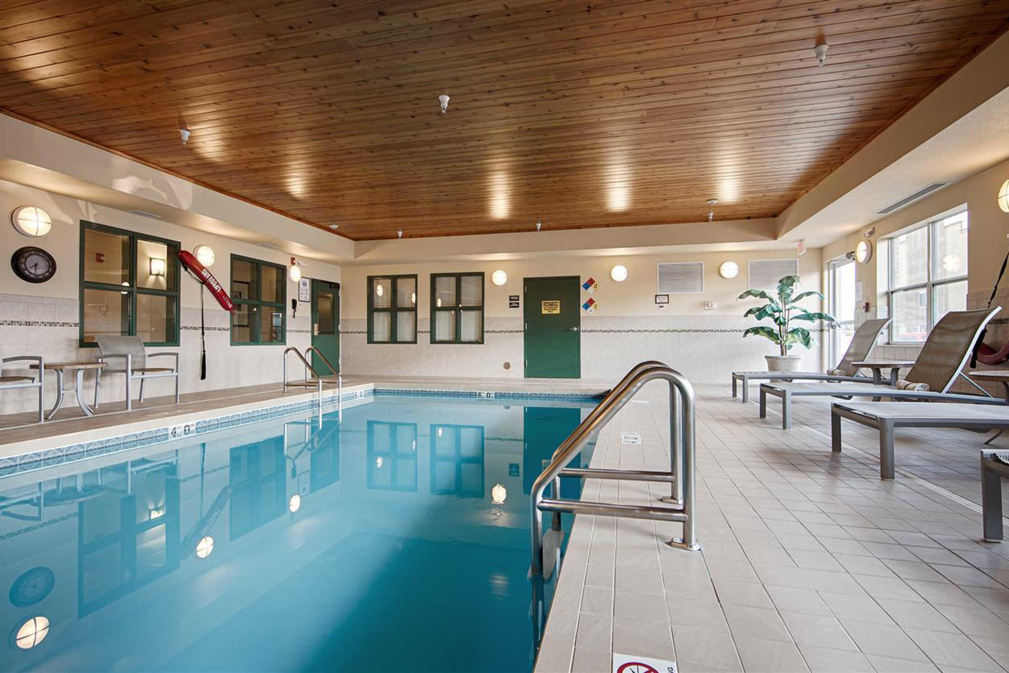 Quality Inn & Suites image 7