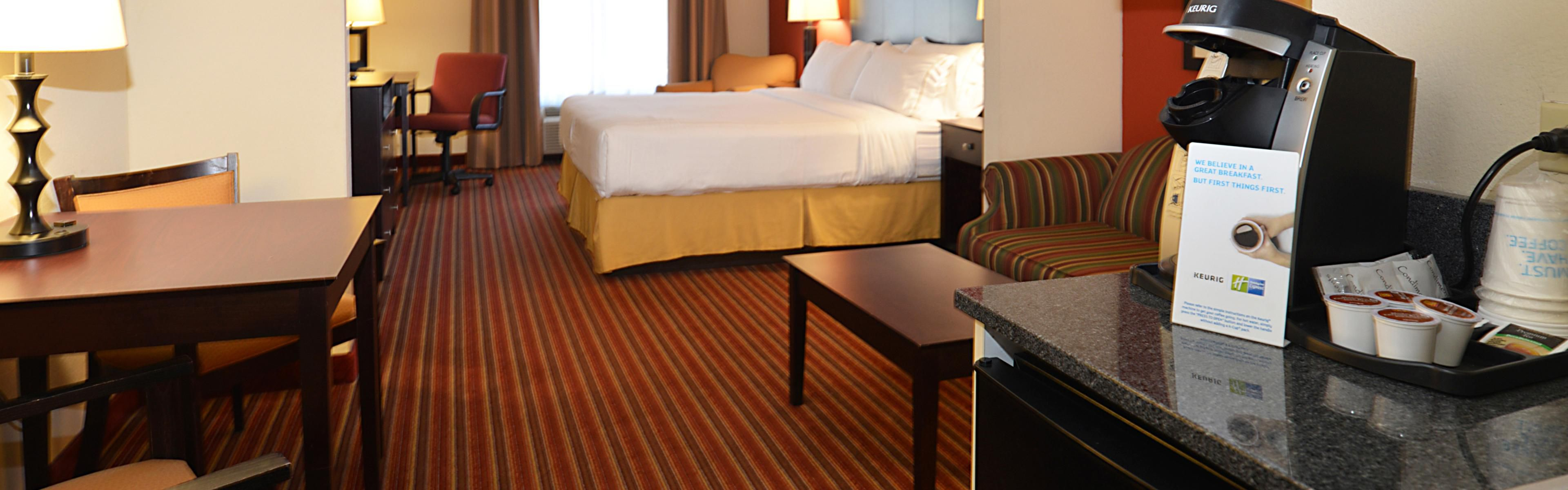 Holiday Inn Express The Villages image 1