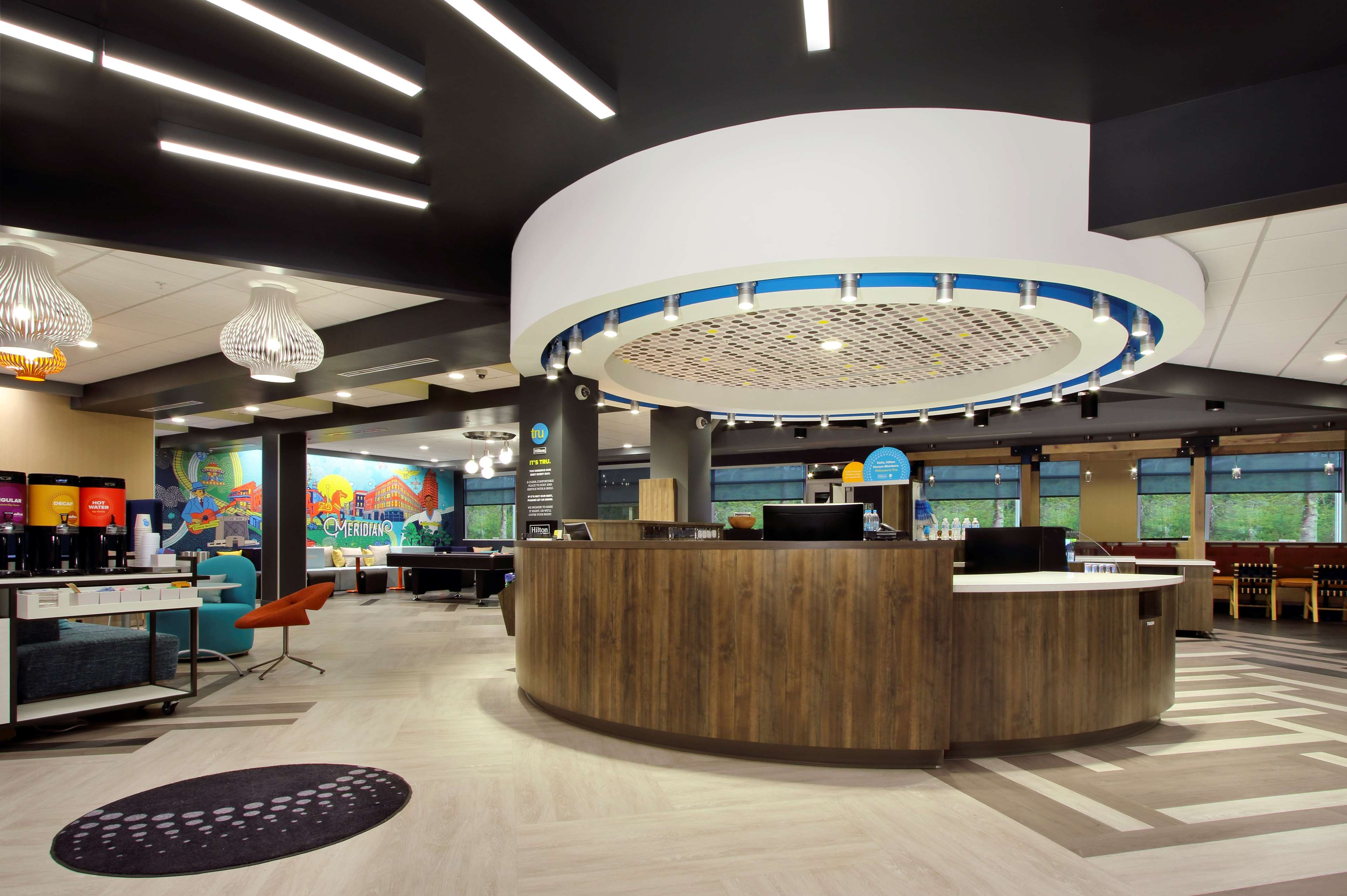 Tru by Hilton Meridian image 4