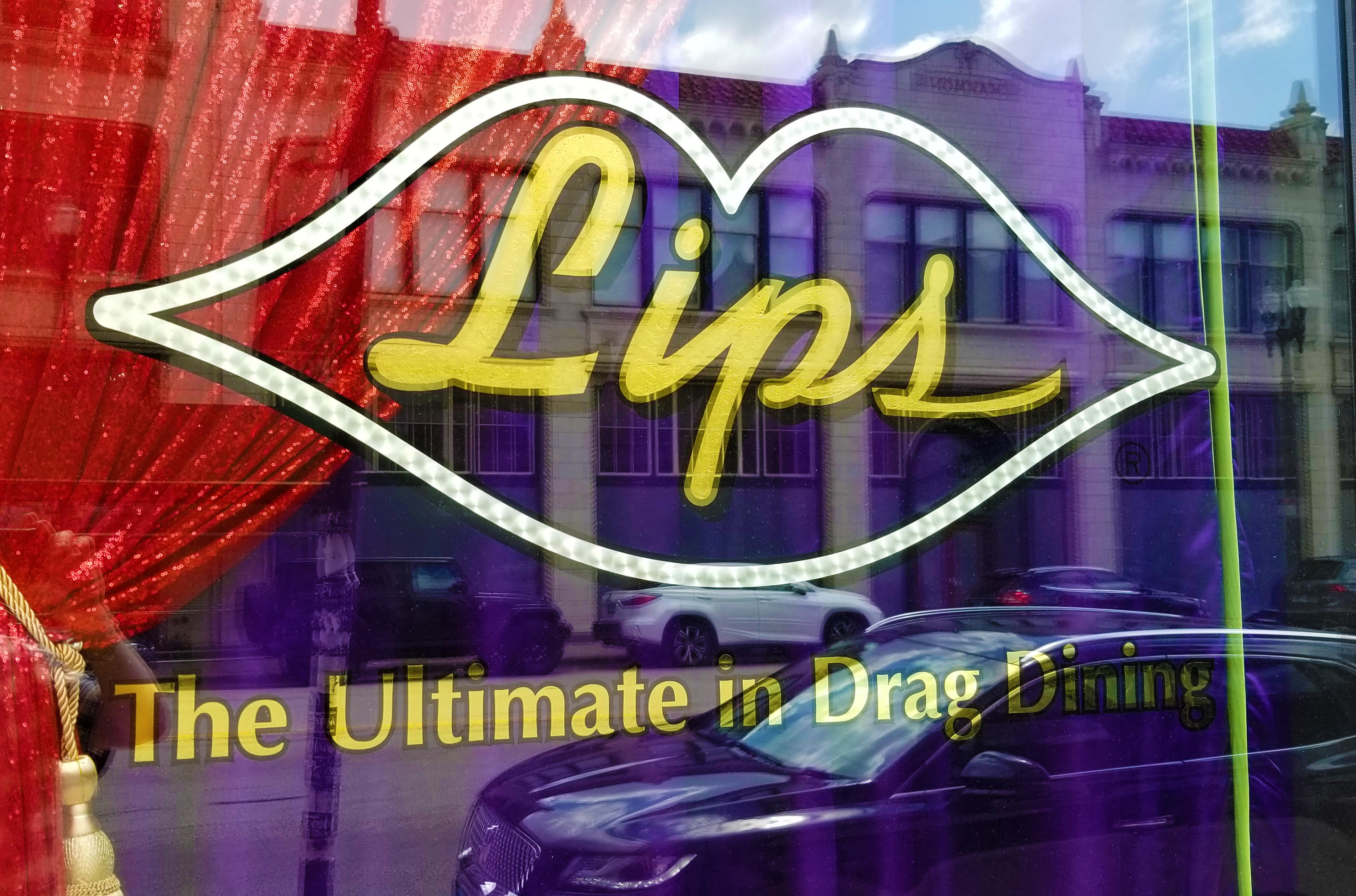 Lips Drag Queen Show Palace, Restaurant & Bar image 2