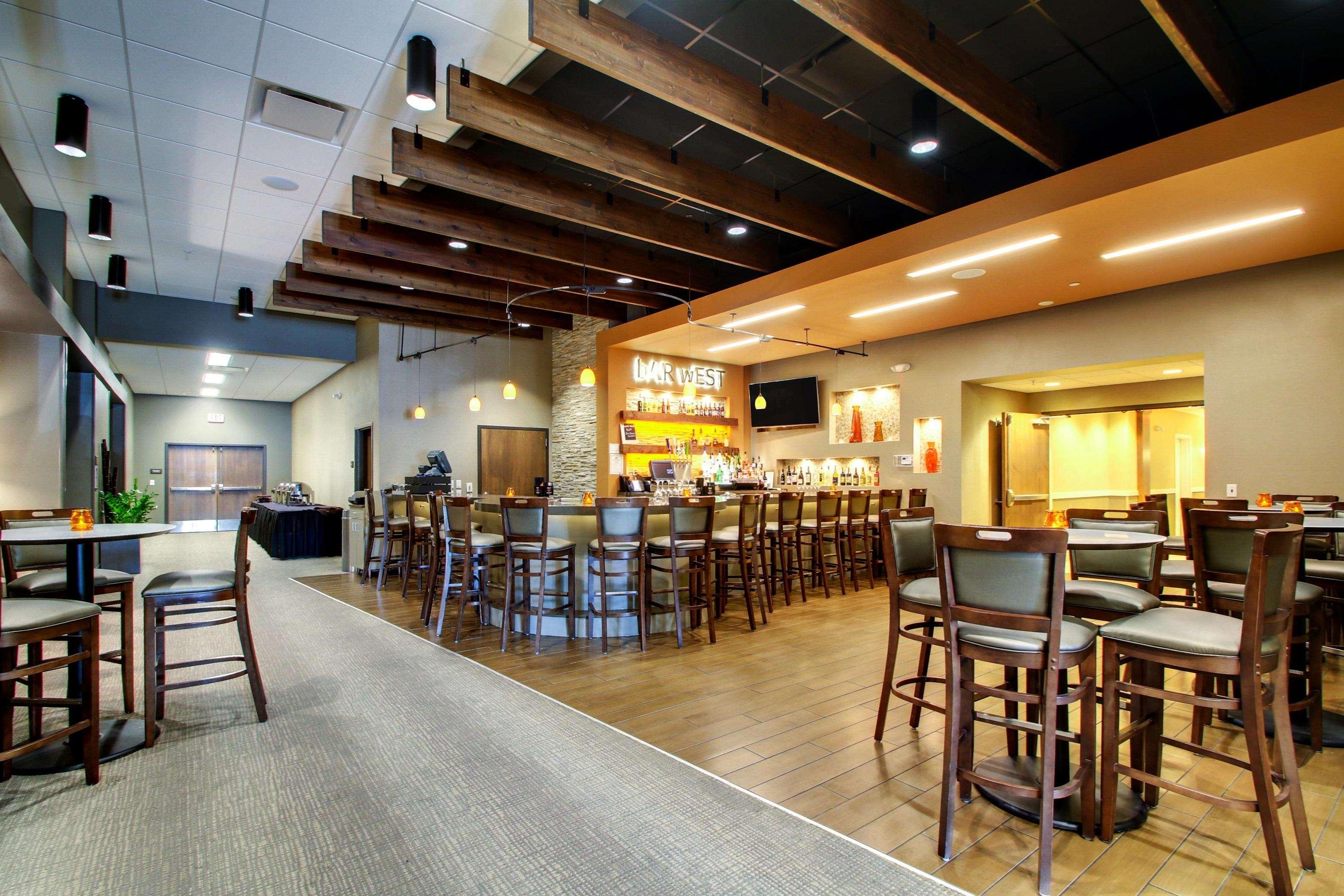 Hampton Inn & Suites Milwaukee West image 7