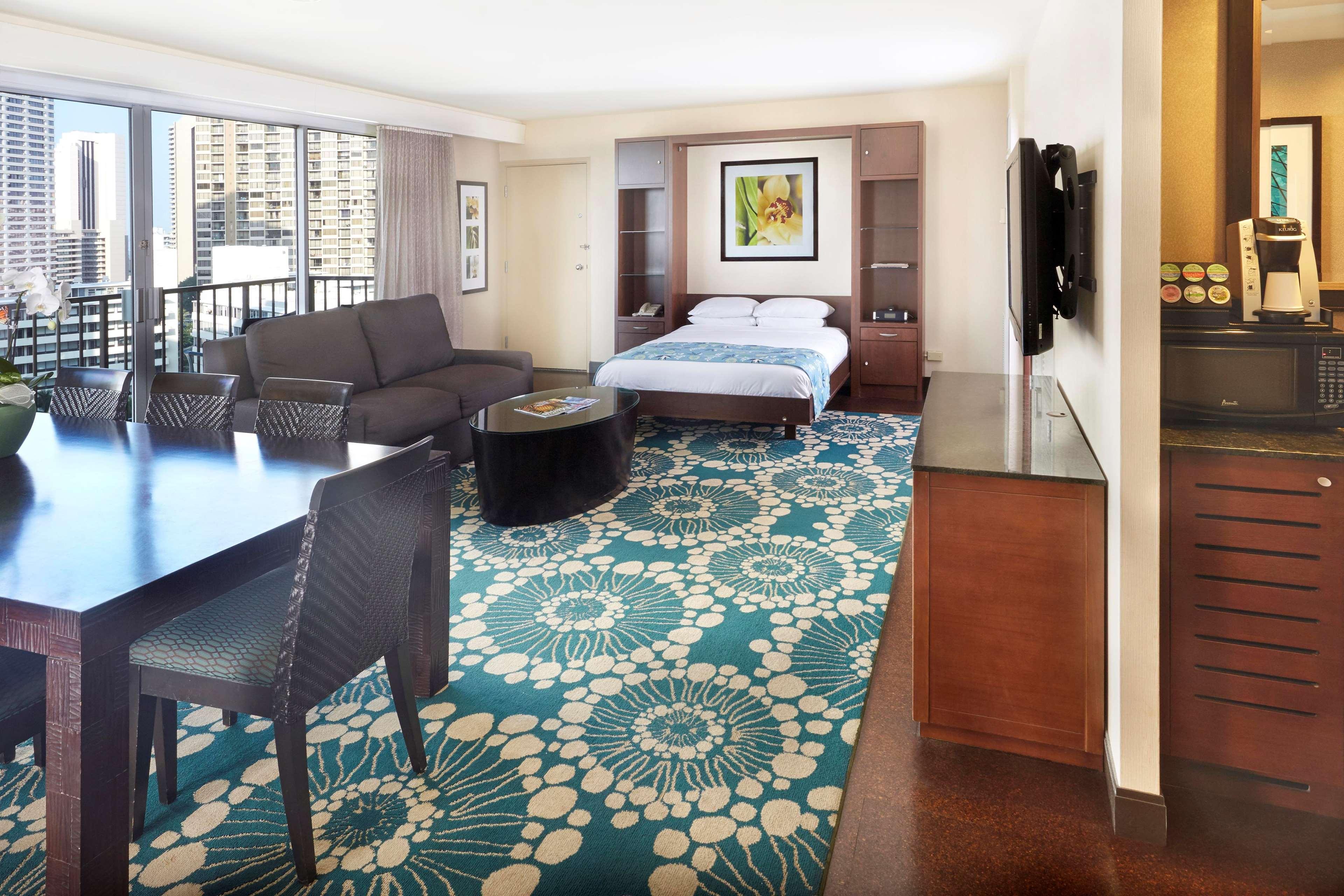 DoubleTree by Hilton Hotel Alana - Waikiki Beach image 27