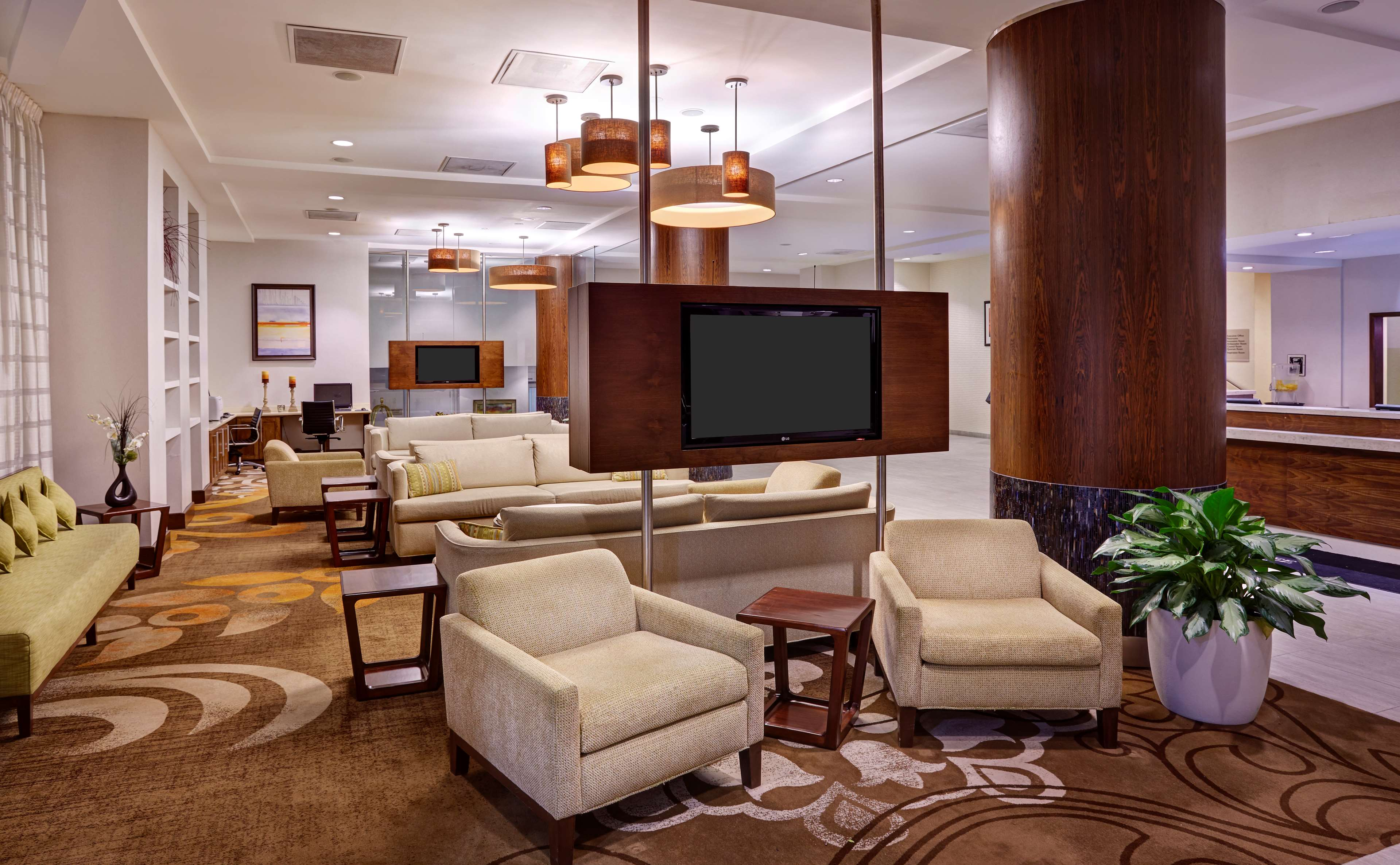 DoubleTree by Hilton Hotel Washington DC - Silver Spring image 4