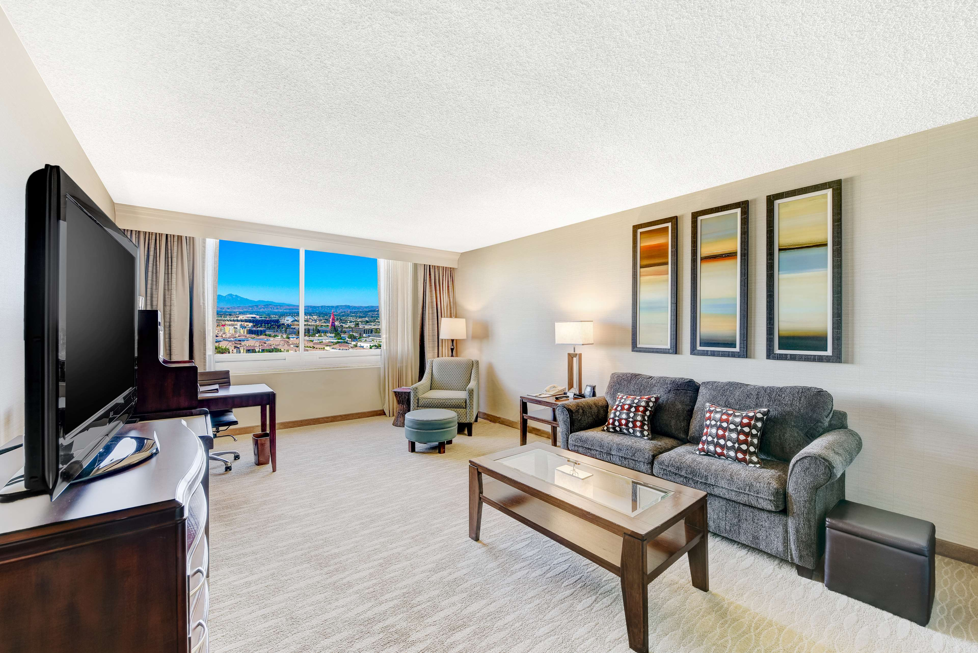 DoubleTree by Hilton Hotel Anaheim - Orange County image 41