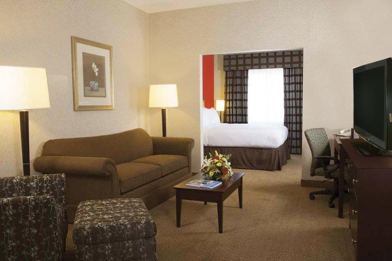 Best Western Plus Charlottesville Airport Inn & Suites - ad image