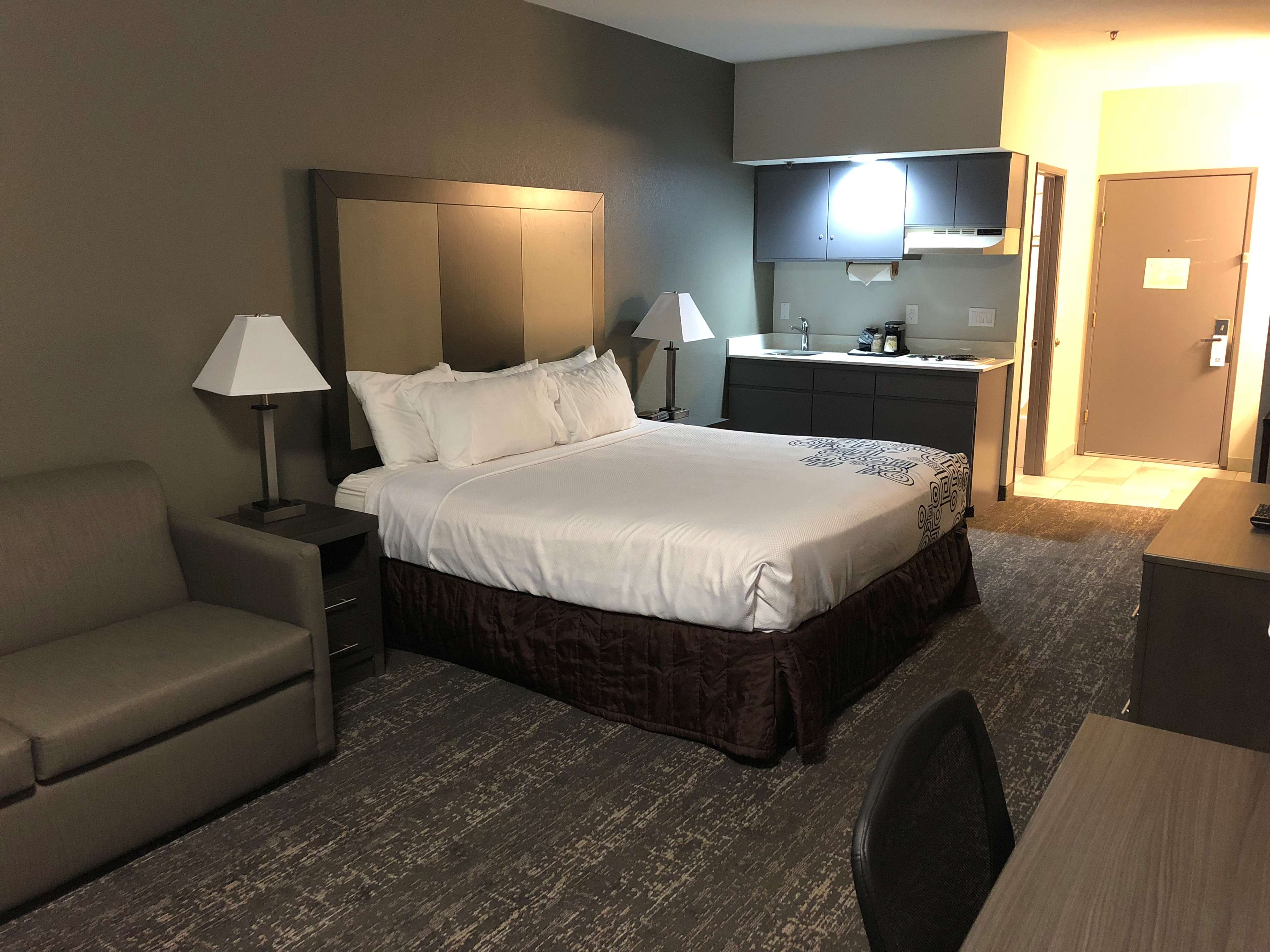 SureStay Plus Hotel by Best Western Moses Lake image 8