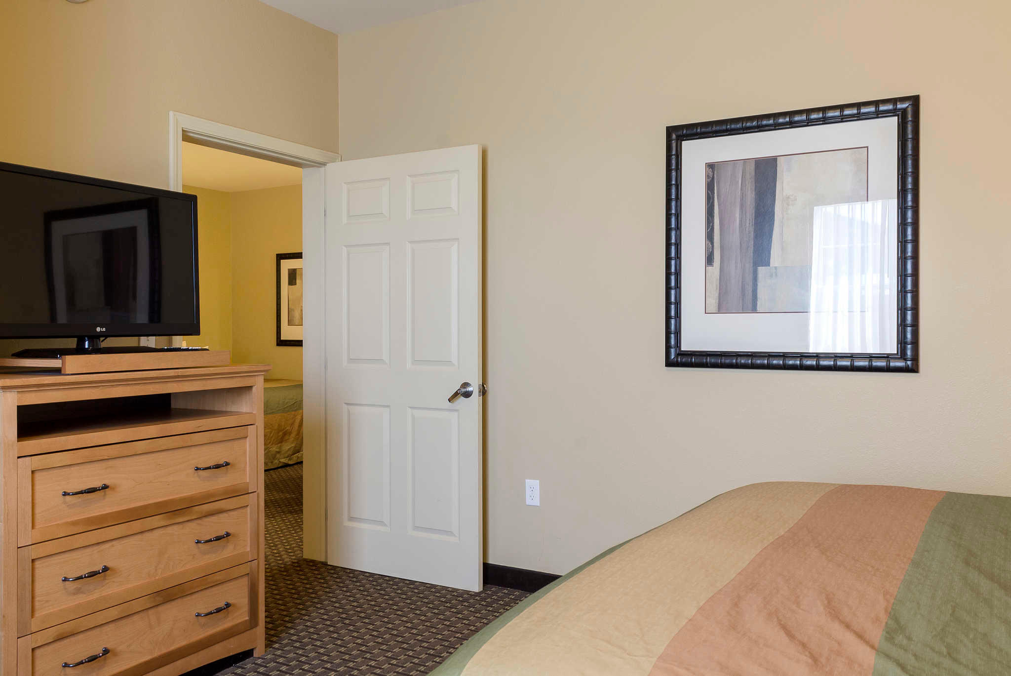 MainStay Suites image 19