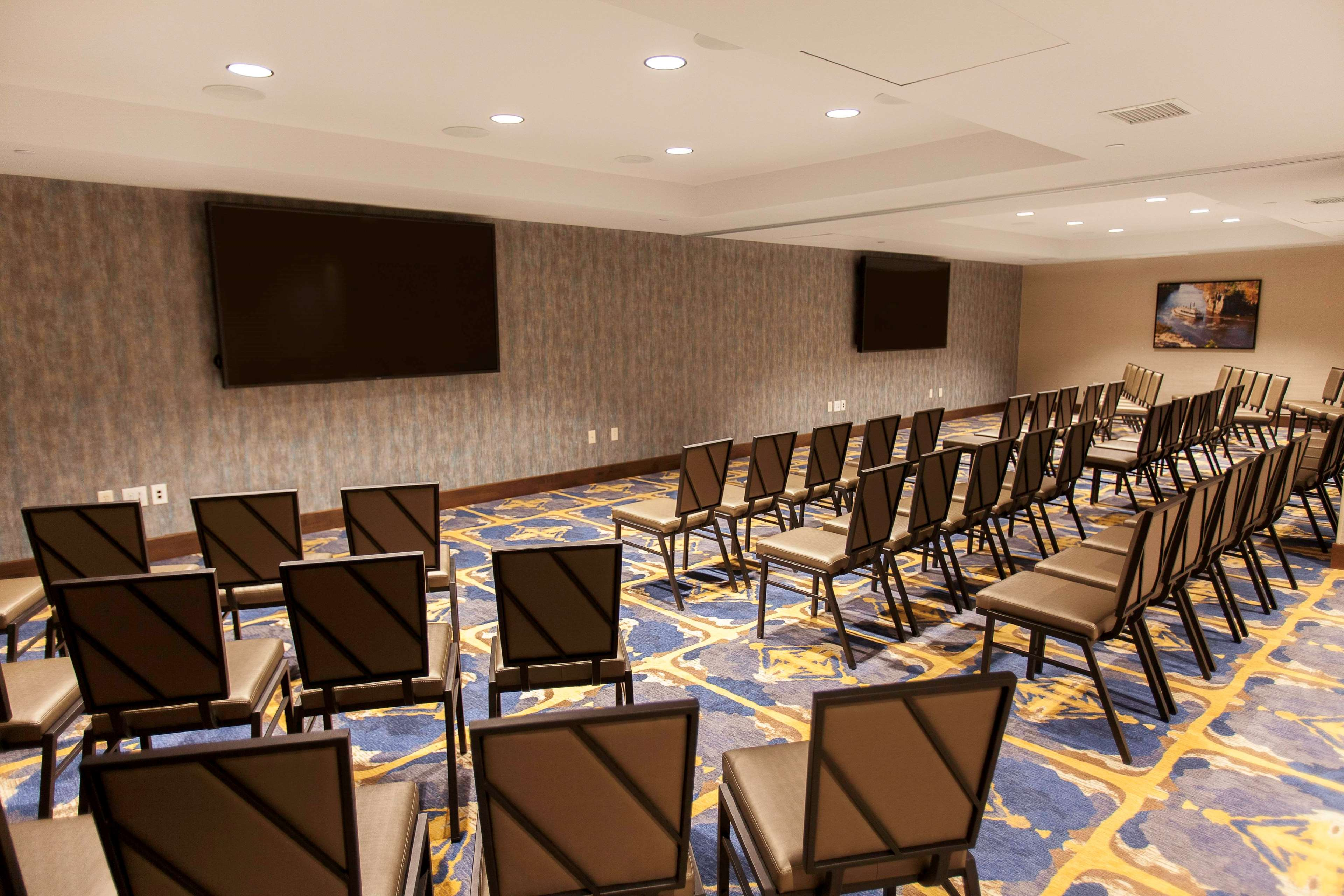 DoubleTree by Hilton Hotel Minneapolis - University Area image 0