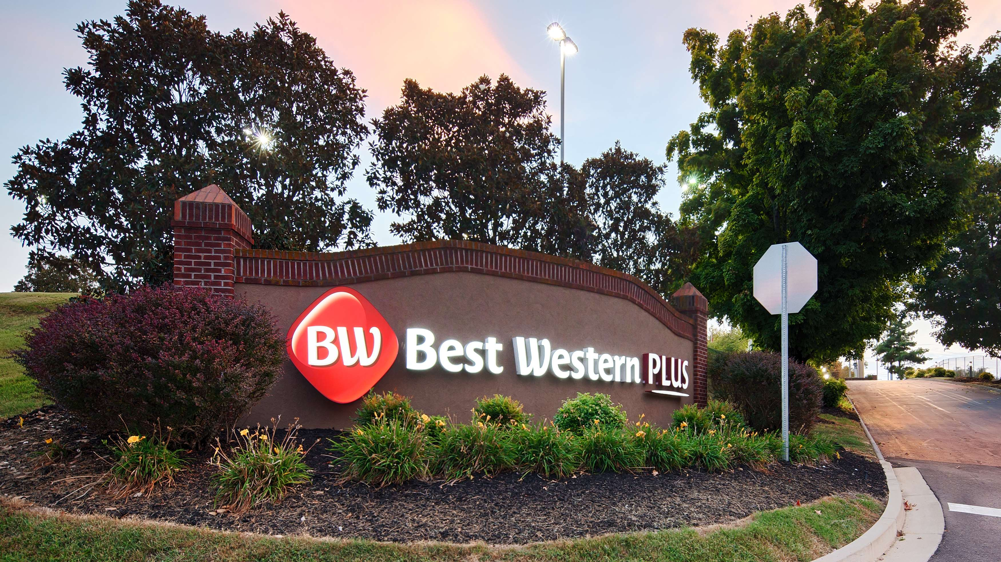 Best Western Plus Morristown Conference Center Hotel image 1