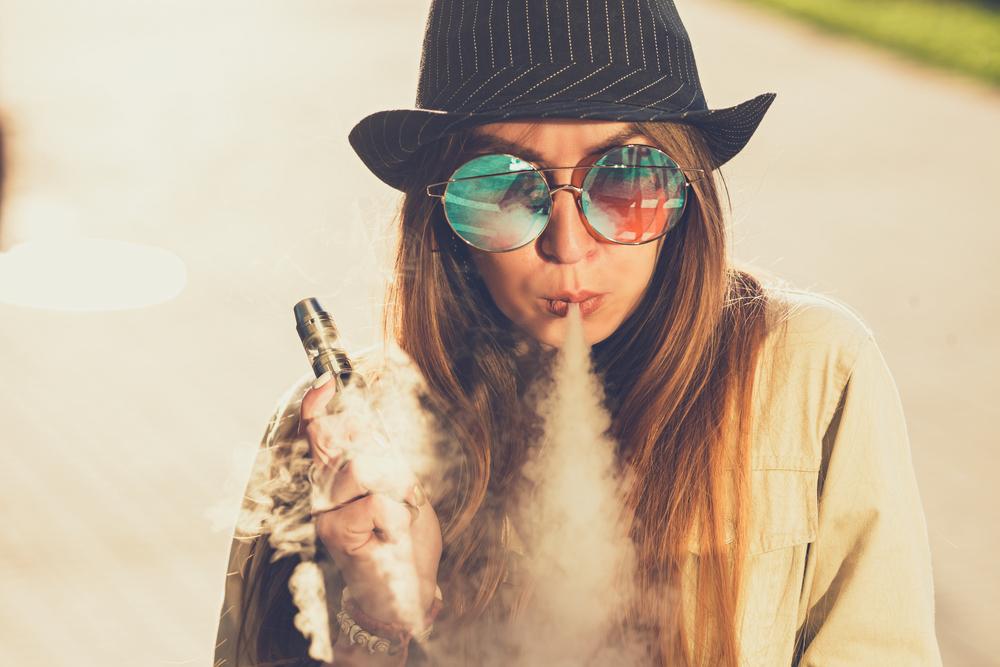 BLUEMOON SMOKE SHOP image 4