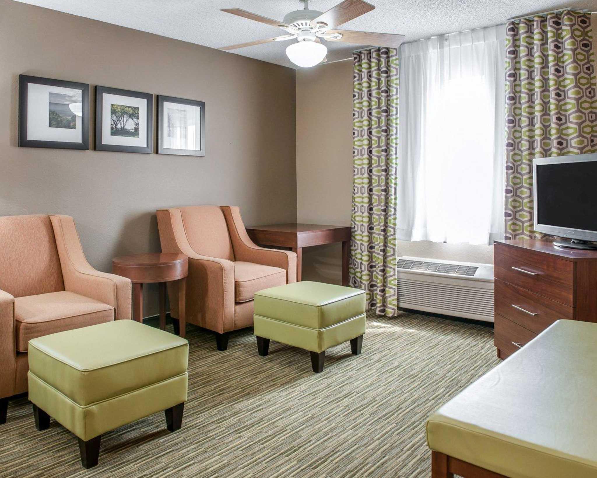 Comfort Suites North in Elkhart, IN, photo #44
