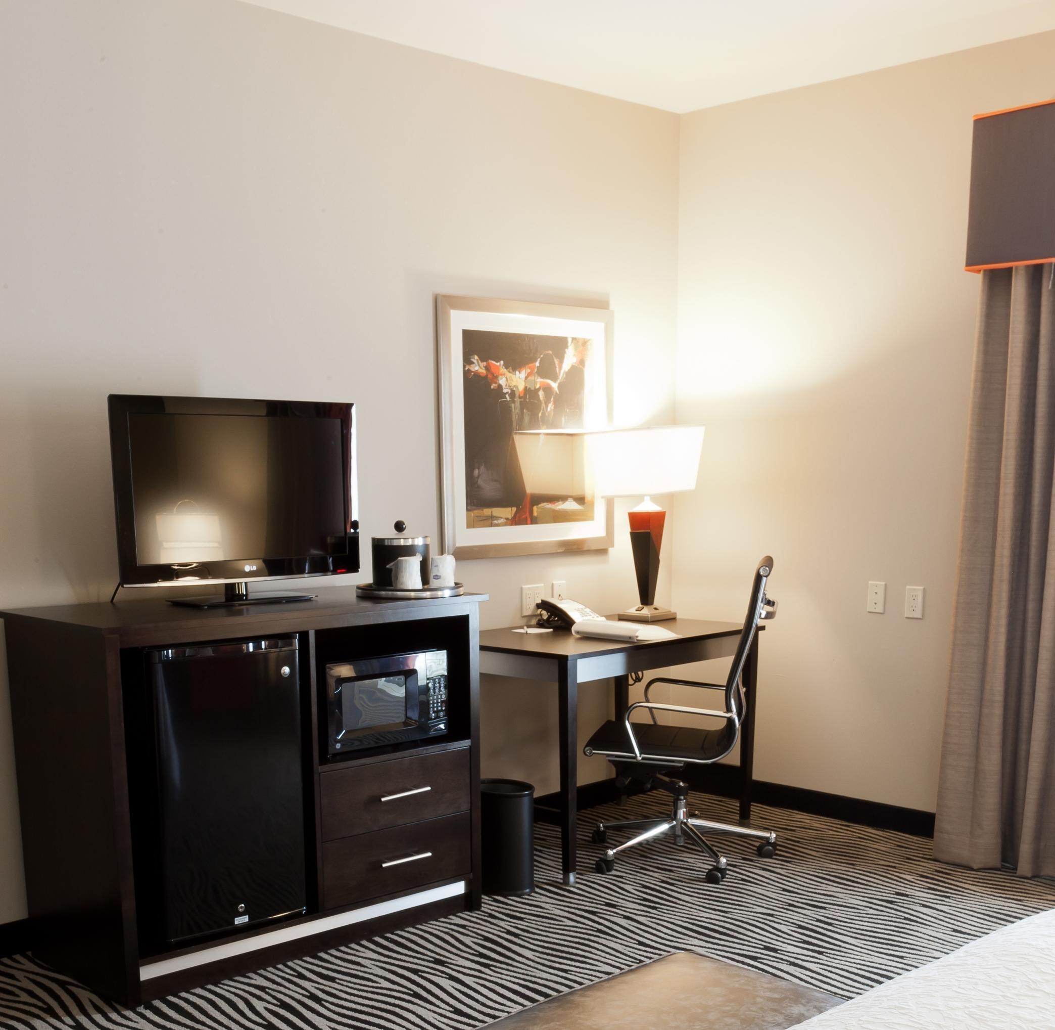 Hampton Inn & Suites Tulsa/Central image 9