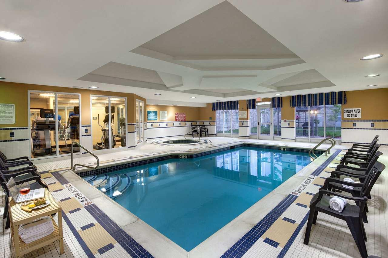 Homewood suites by hilton london ontario london on ourbis for Swimming pools in london ontario