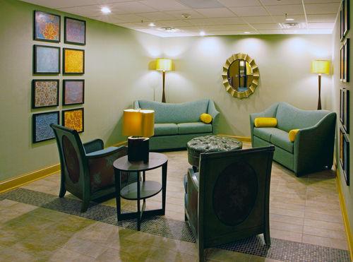 Holiday Inn Express & Suites Thornburg-S. Fredericksburg image 3