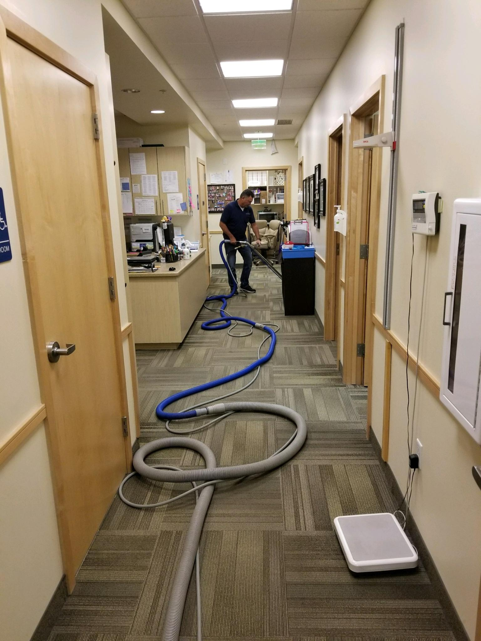 Kelly's Deep Clean Carpet & Upholstery Cleaning image 23