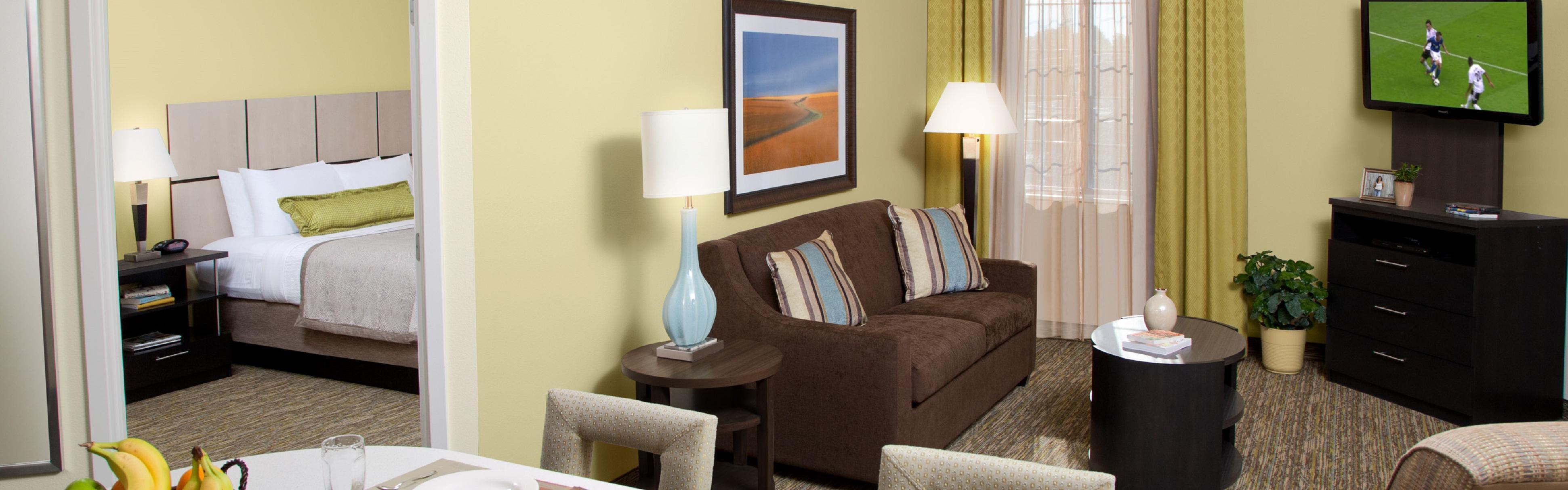 Candlewood Suites Des Moines image 1