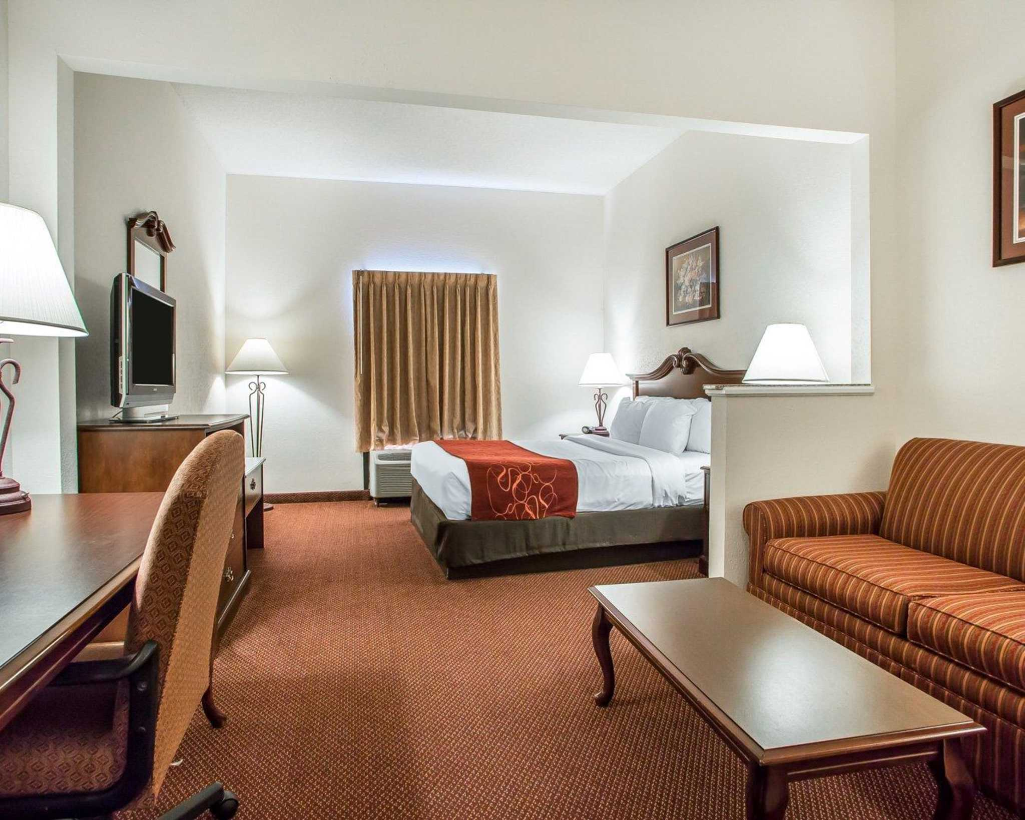 Comfort Suites Jefferson City image 33