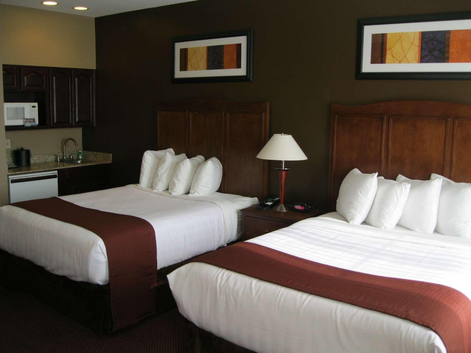 Best Western Plus Hannaford Inn & Suites image 22