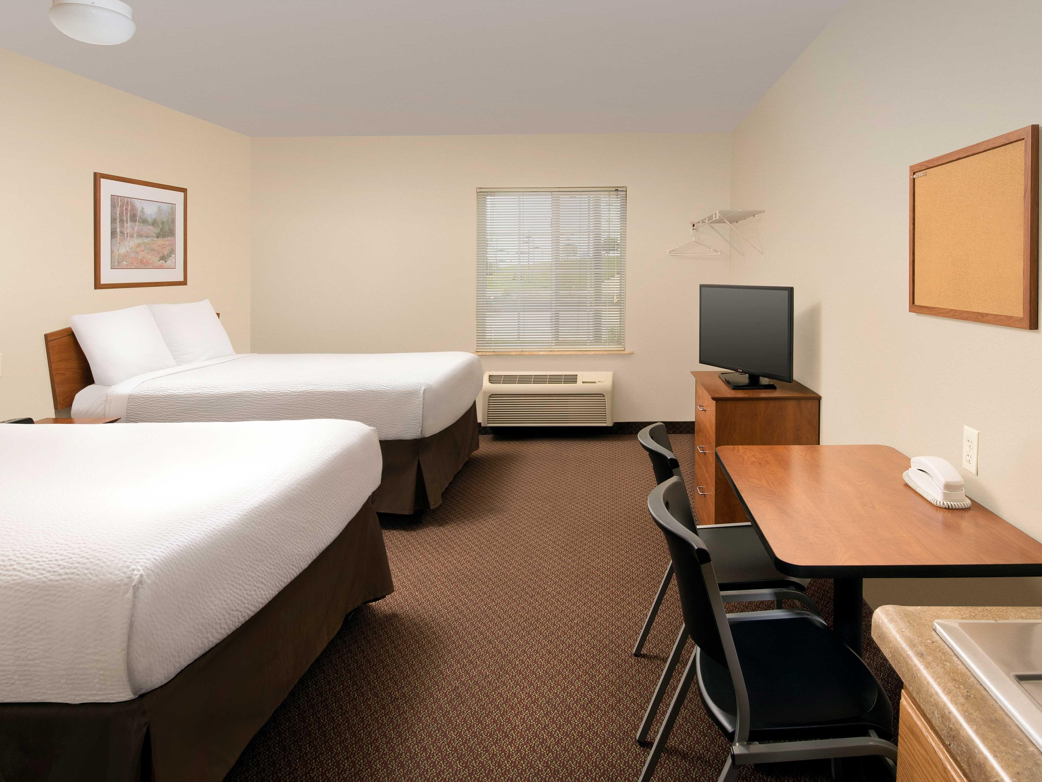 WoodSpring Suites Kansas City Lenexa image 11