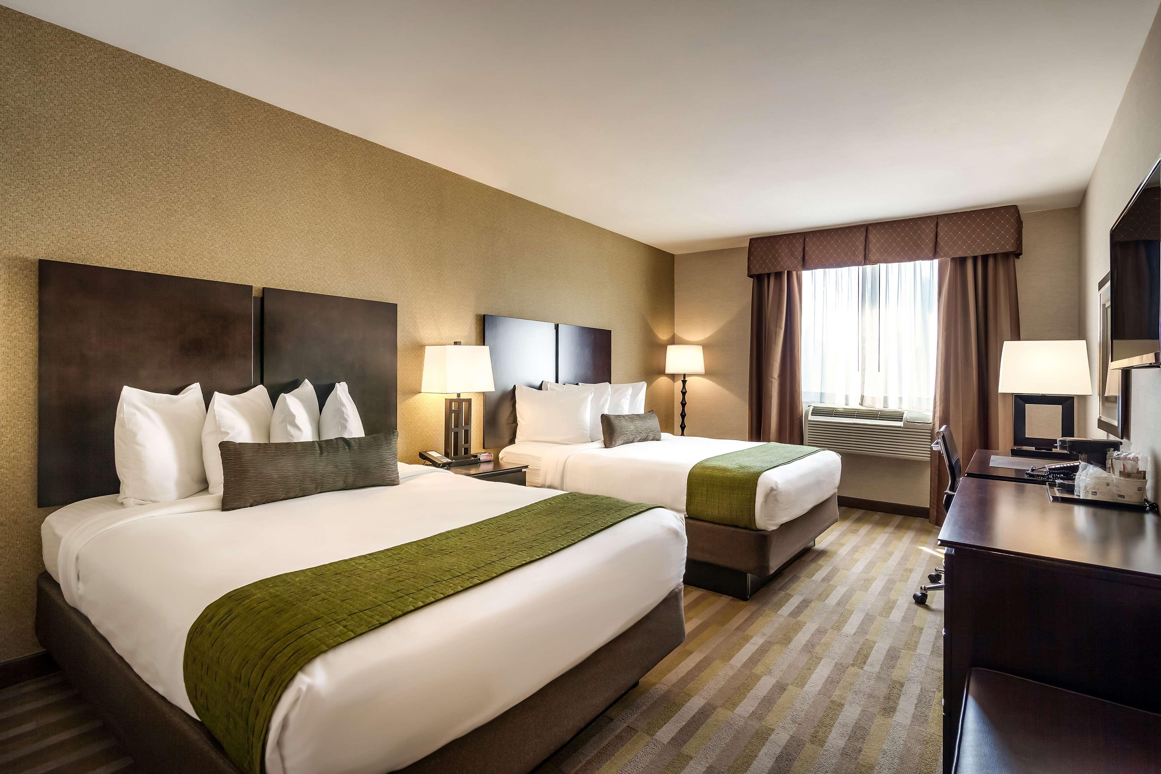 Best Western Plus Plaza Hotel image 27