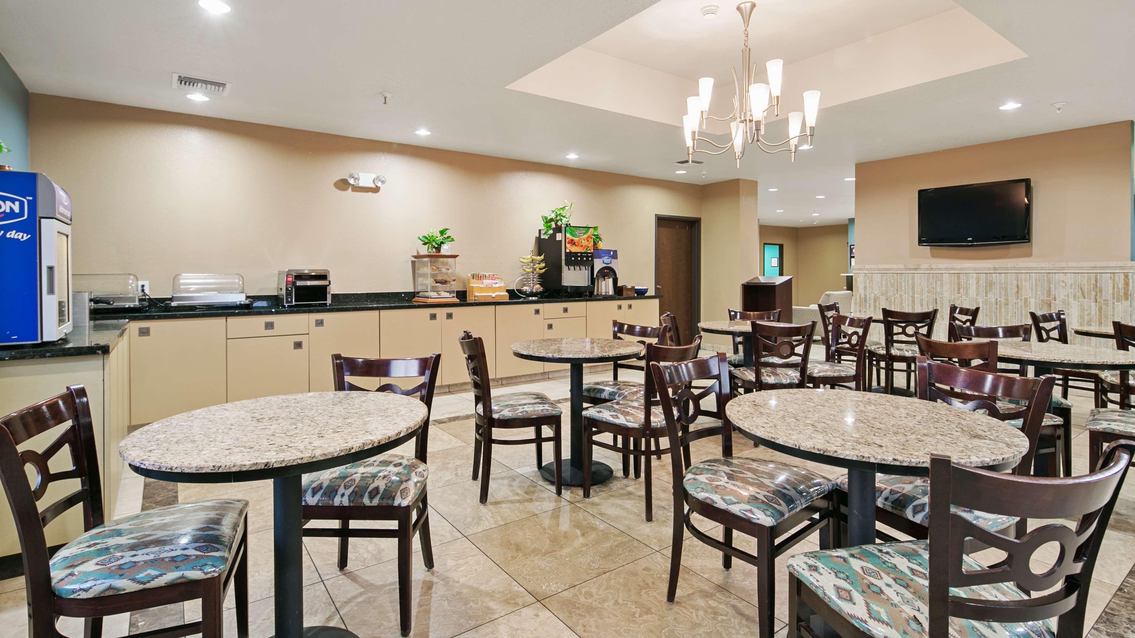 Best Western Sonora Inn & Suites image 7