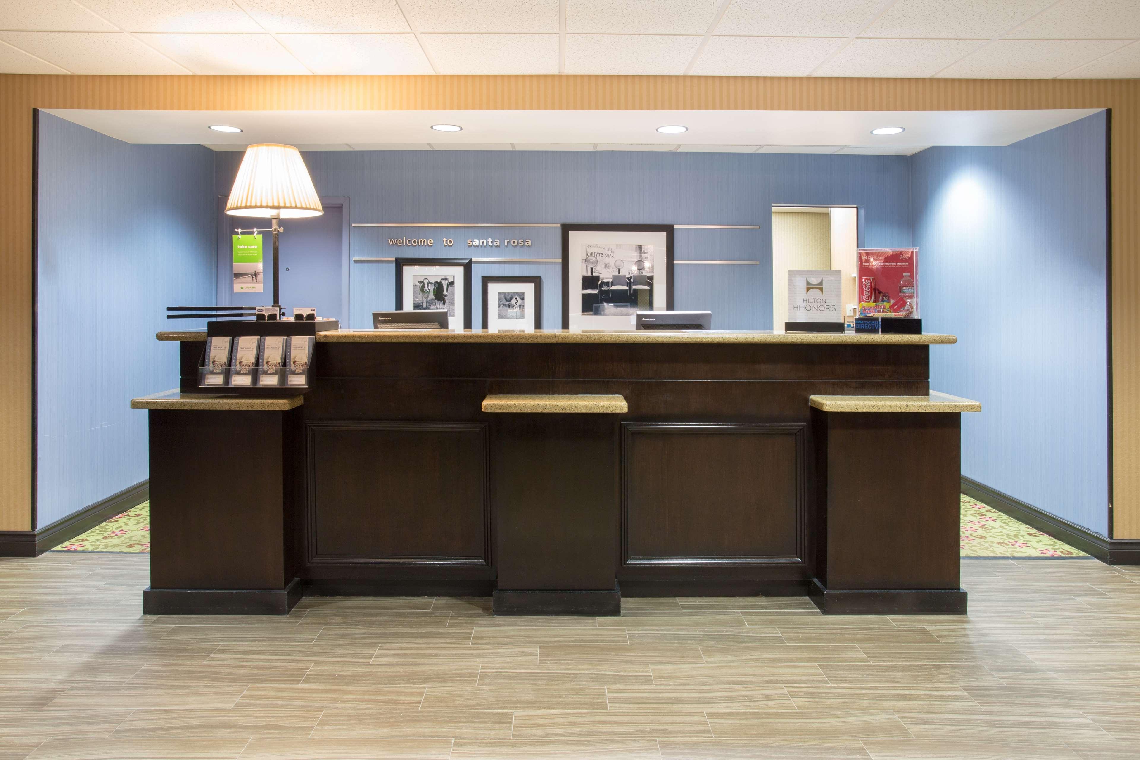 Hampton Inn Santa Rosa image 4