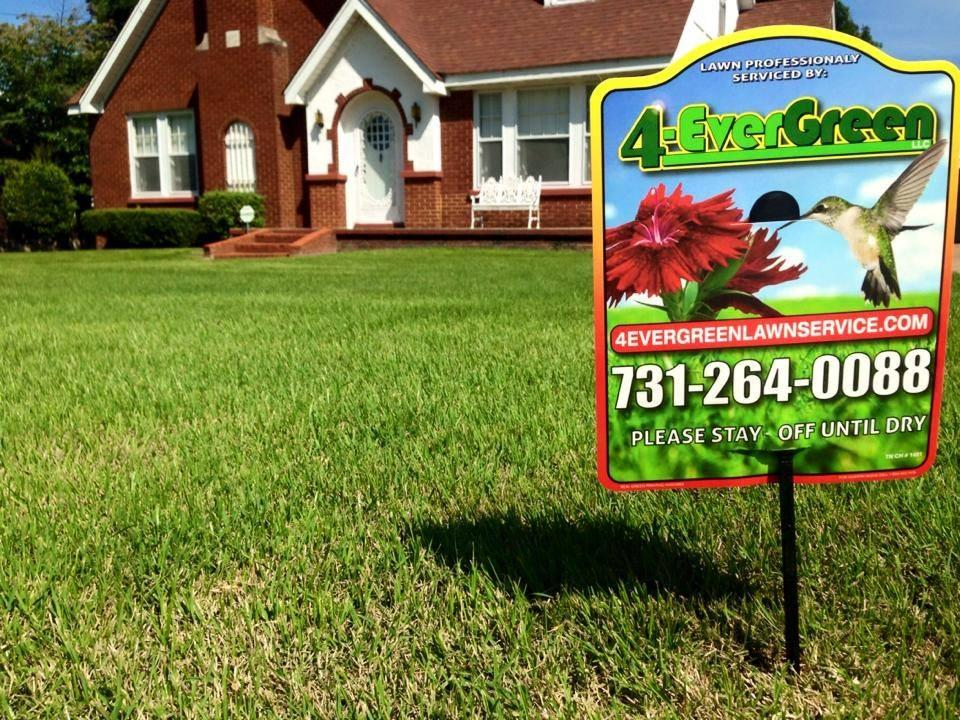 4-Evergreen Lawn Service image 1