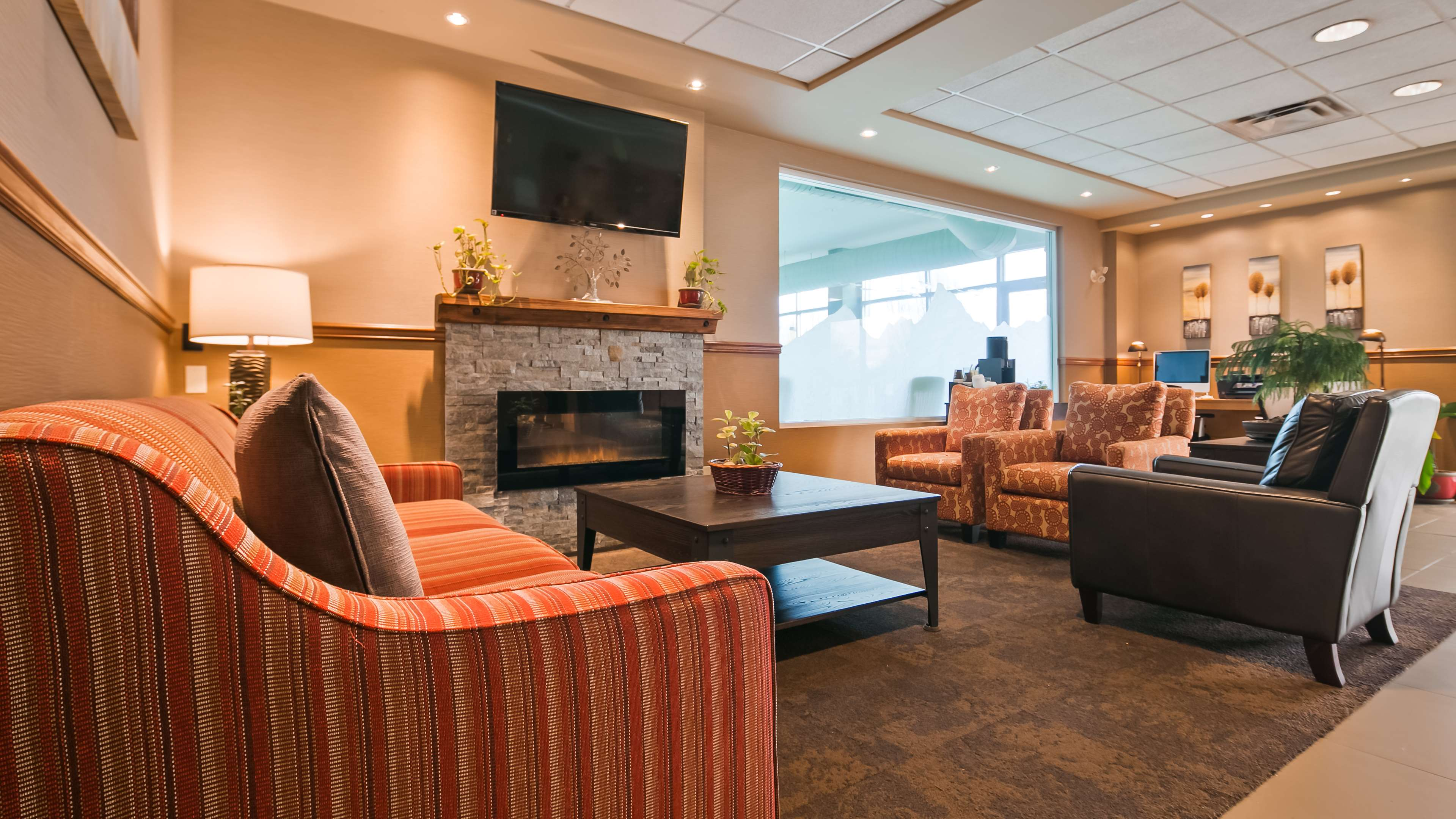 Best Western Plus Mission City Lodge in Mission: Hotel Lobby