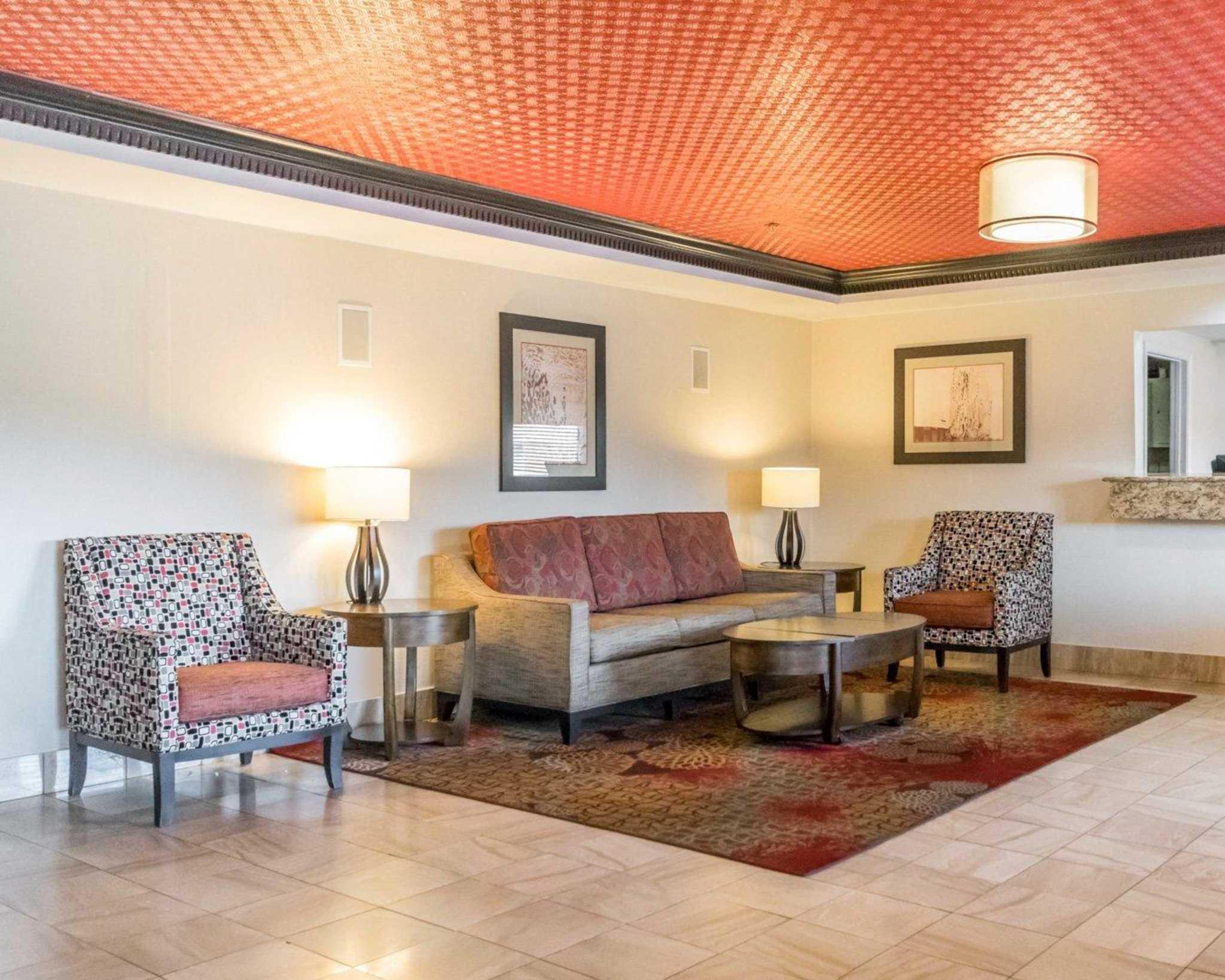 Quality Inn & Suites University/Airport image 13
