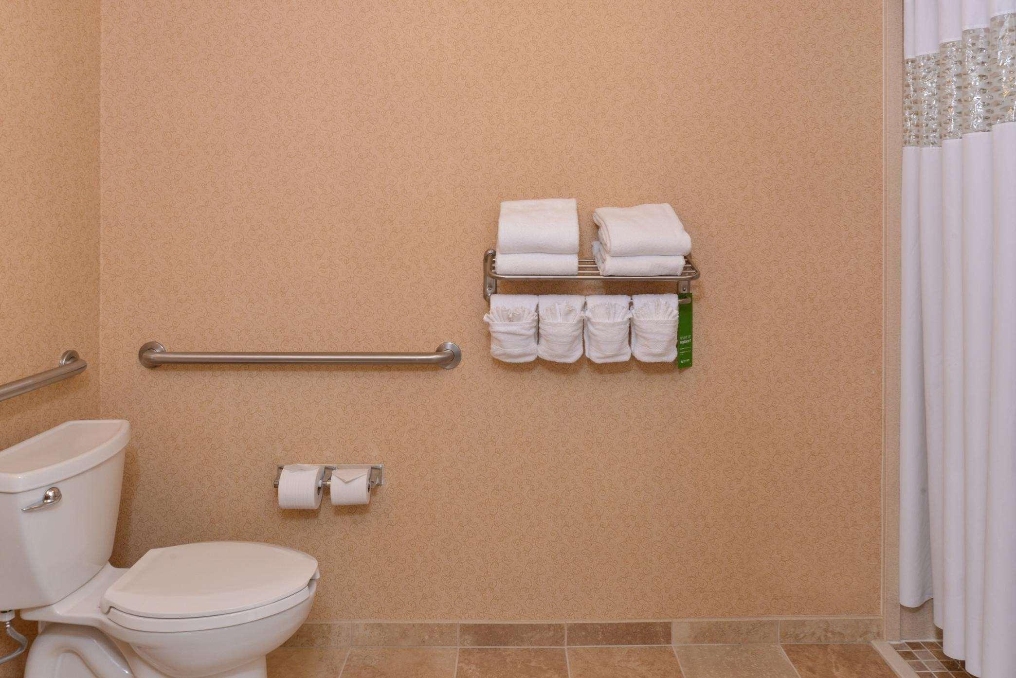 Hampton Inn & Suites Casper image 32