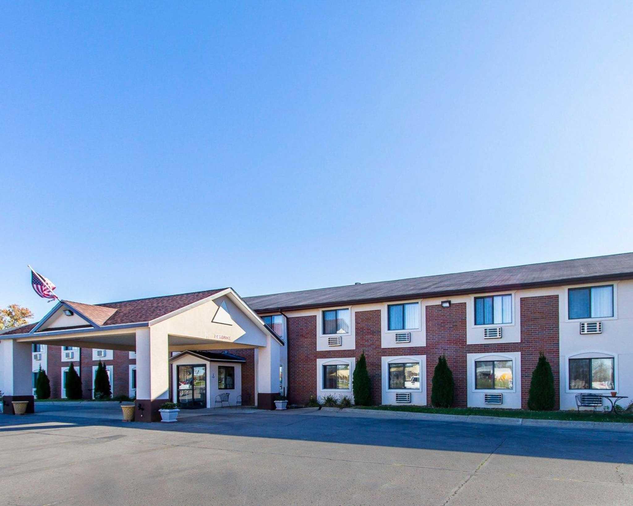 Quality Inn & Suites image 1