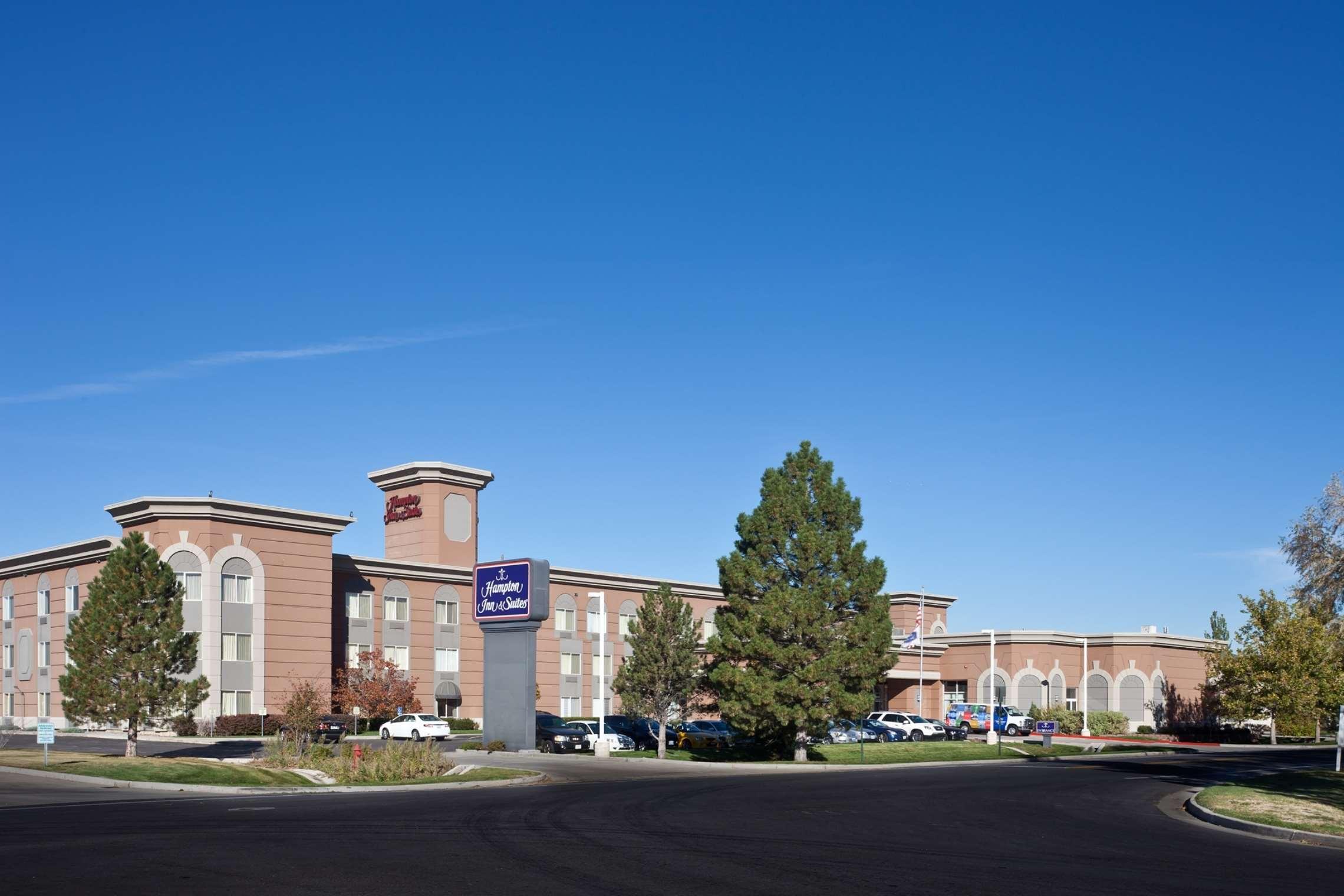 Hampton Inn & Suites Salt Lake City Airport image 1
