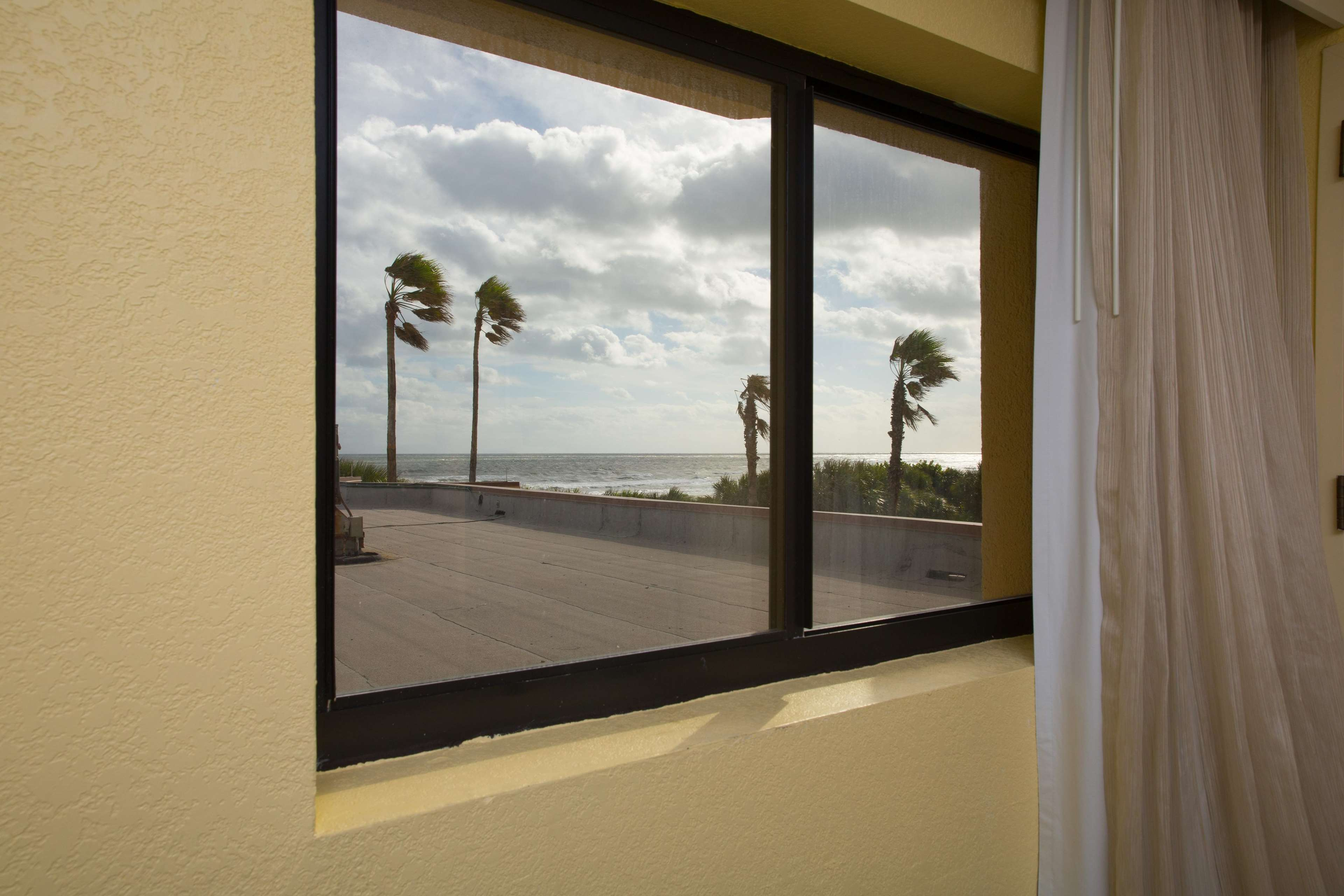 DoubleTree by Hilton Hotel Cocoa Beach Oceanfront image 37