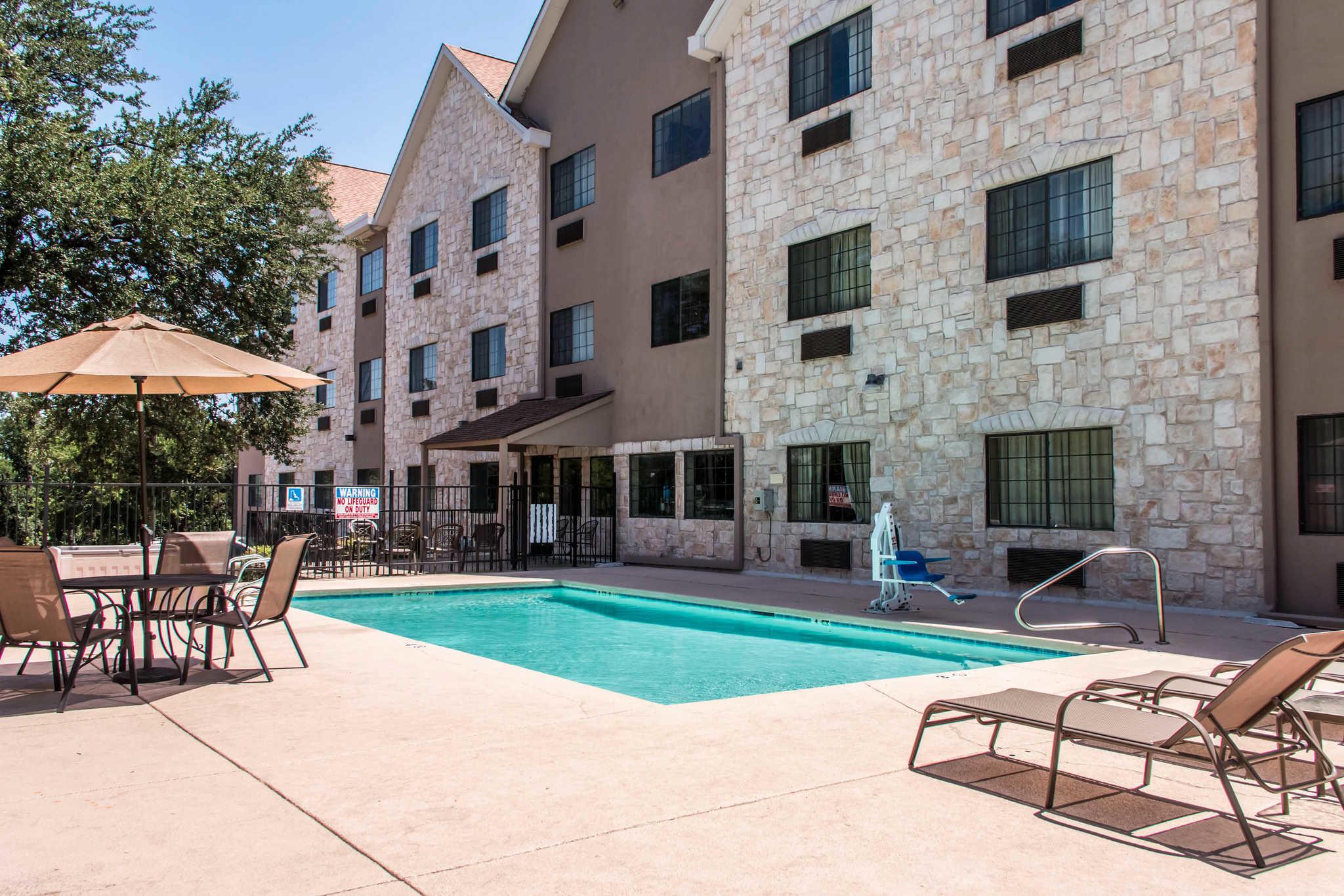 Comfort Suites Round Rock - Austin North I-35 image 4
