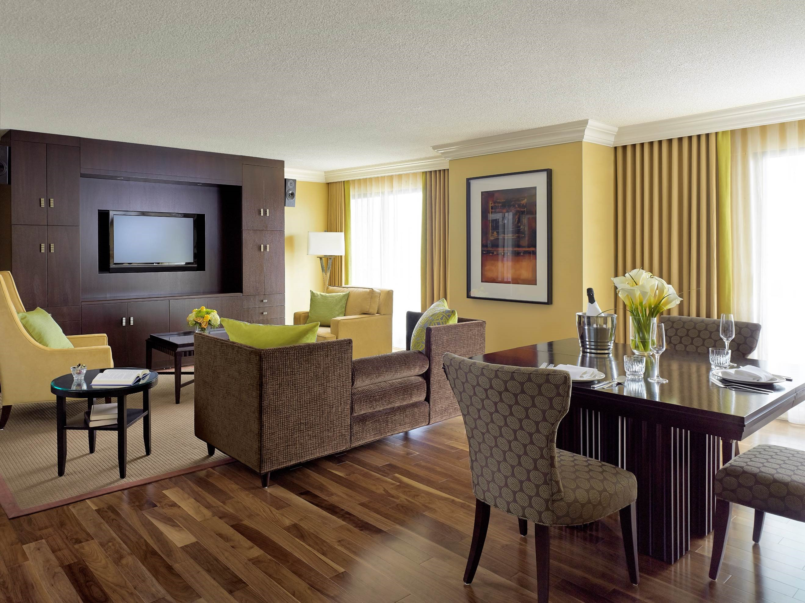 CHELSEA HOTEL, TORONTO in Toronto: Honeymoon Suite