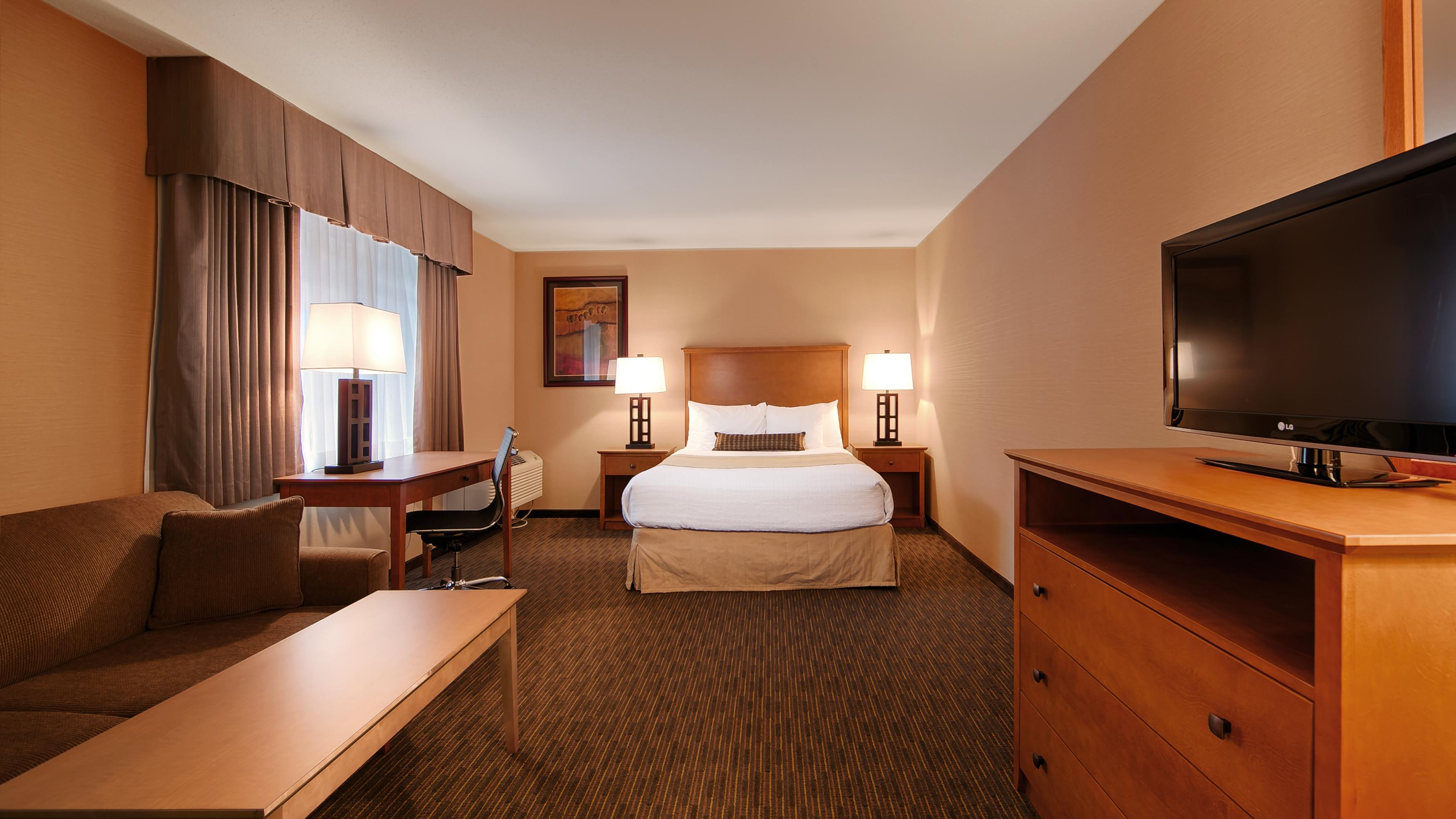 Best Western Plus Mission City Lodge in Mission: 1 Queen Guest Room
