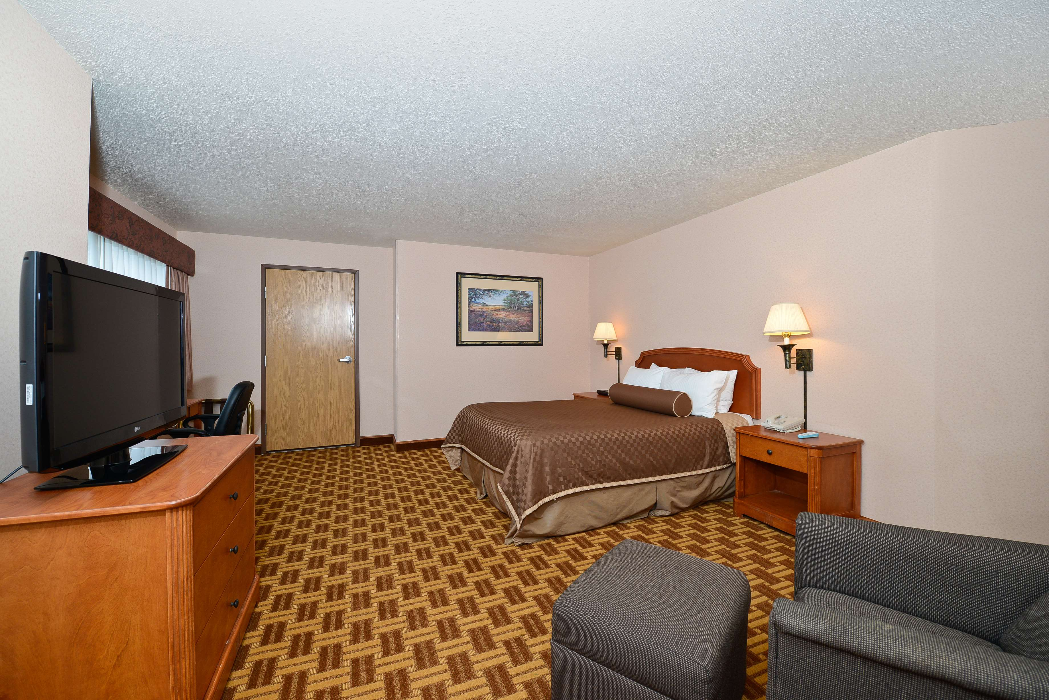 Best Western Harbour Pointe Lakefront image 48