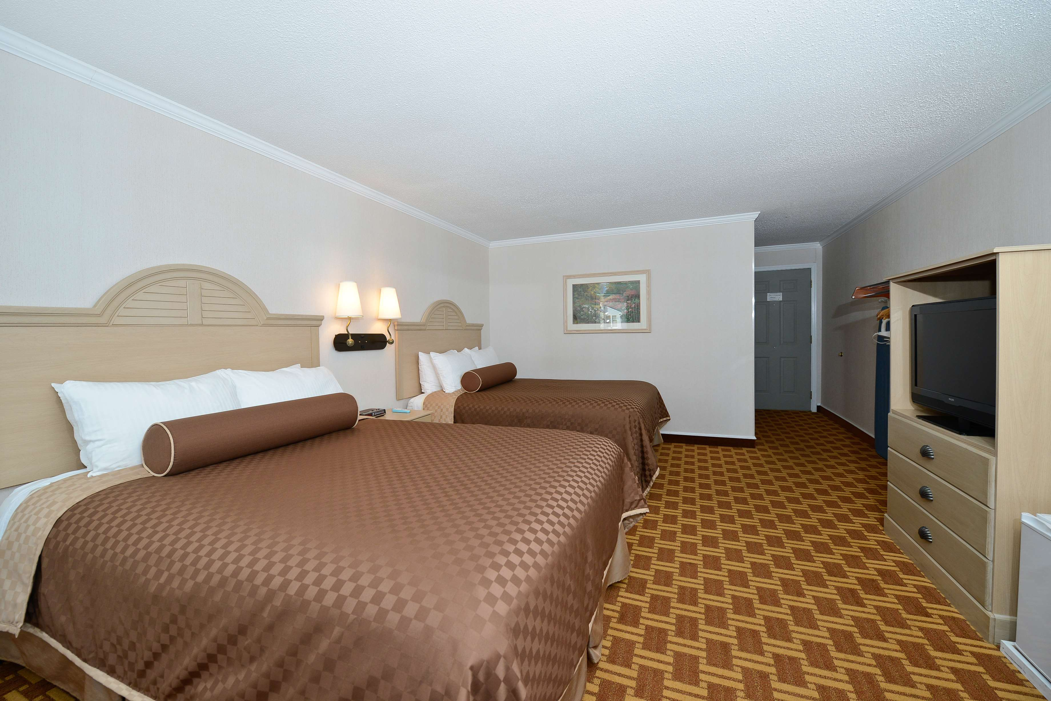 Best Western Harbour Pointe Lakefront image 43