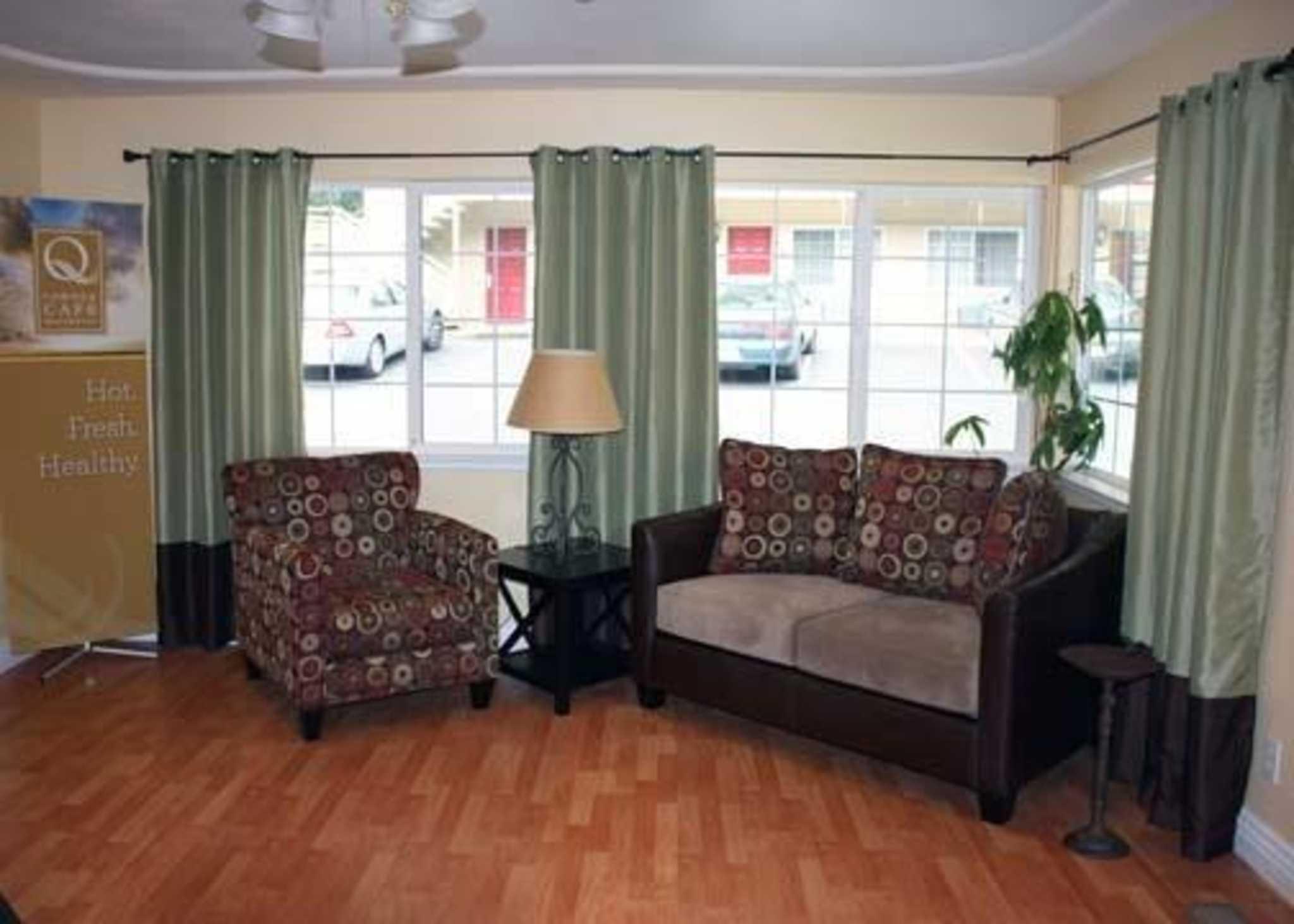Quality Inn & Suites Santa Cruz Mountains image 5