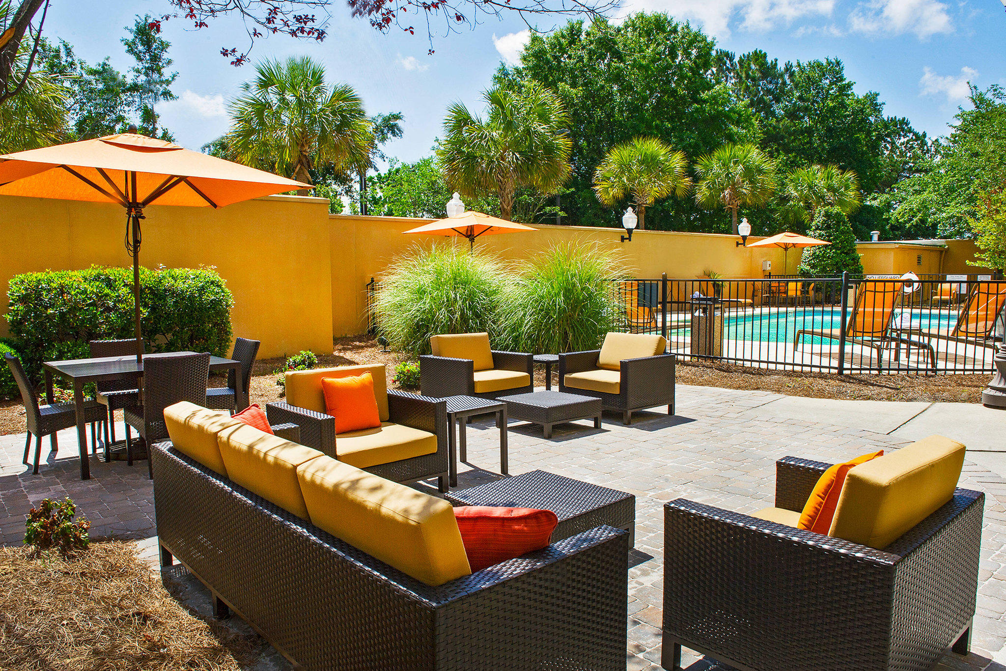 Courtyard by Marriott North Charleston Airport/Coliseum