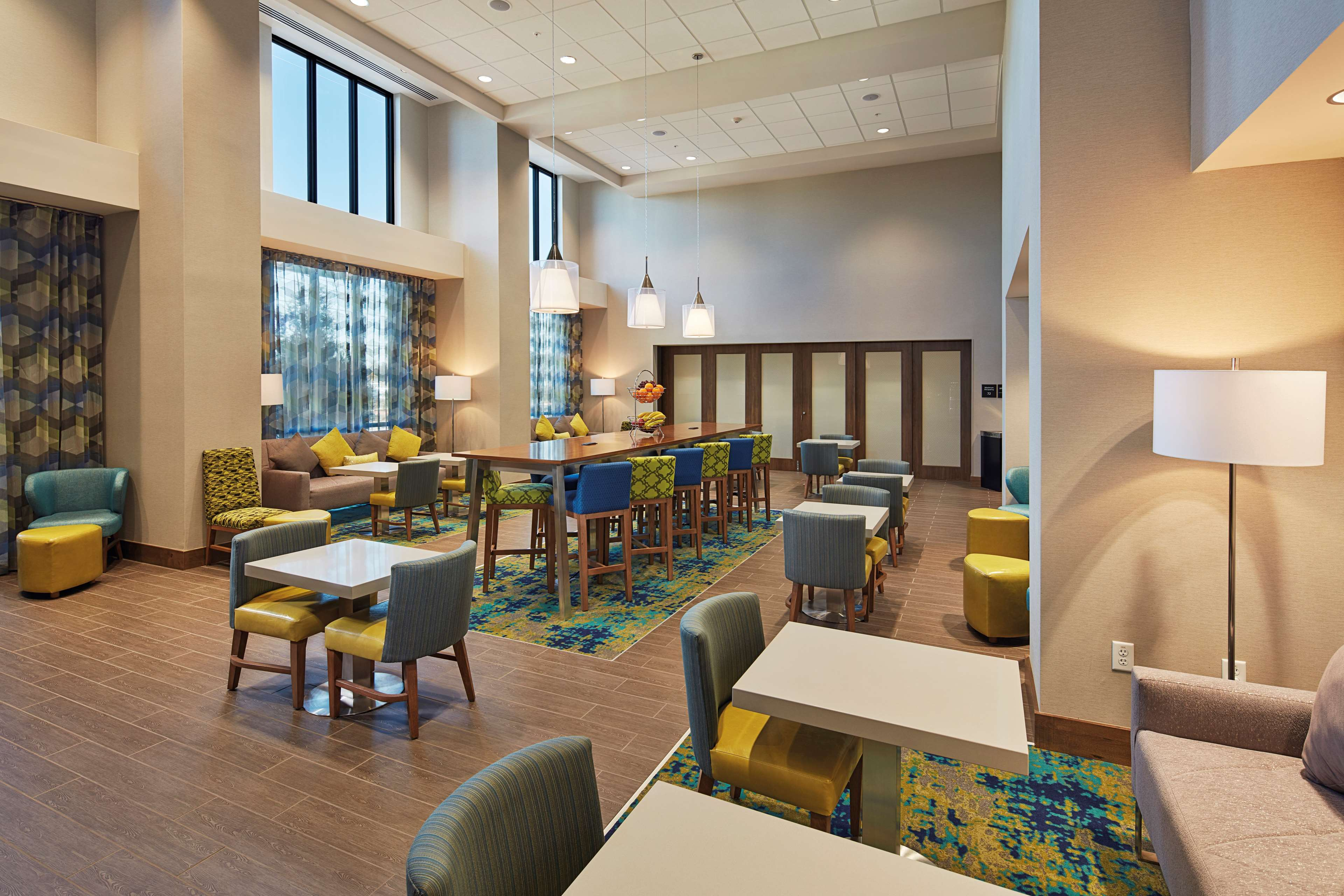 Hampton Inn & Suites Sacramento at CSUS image 9