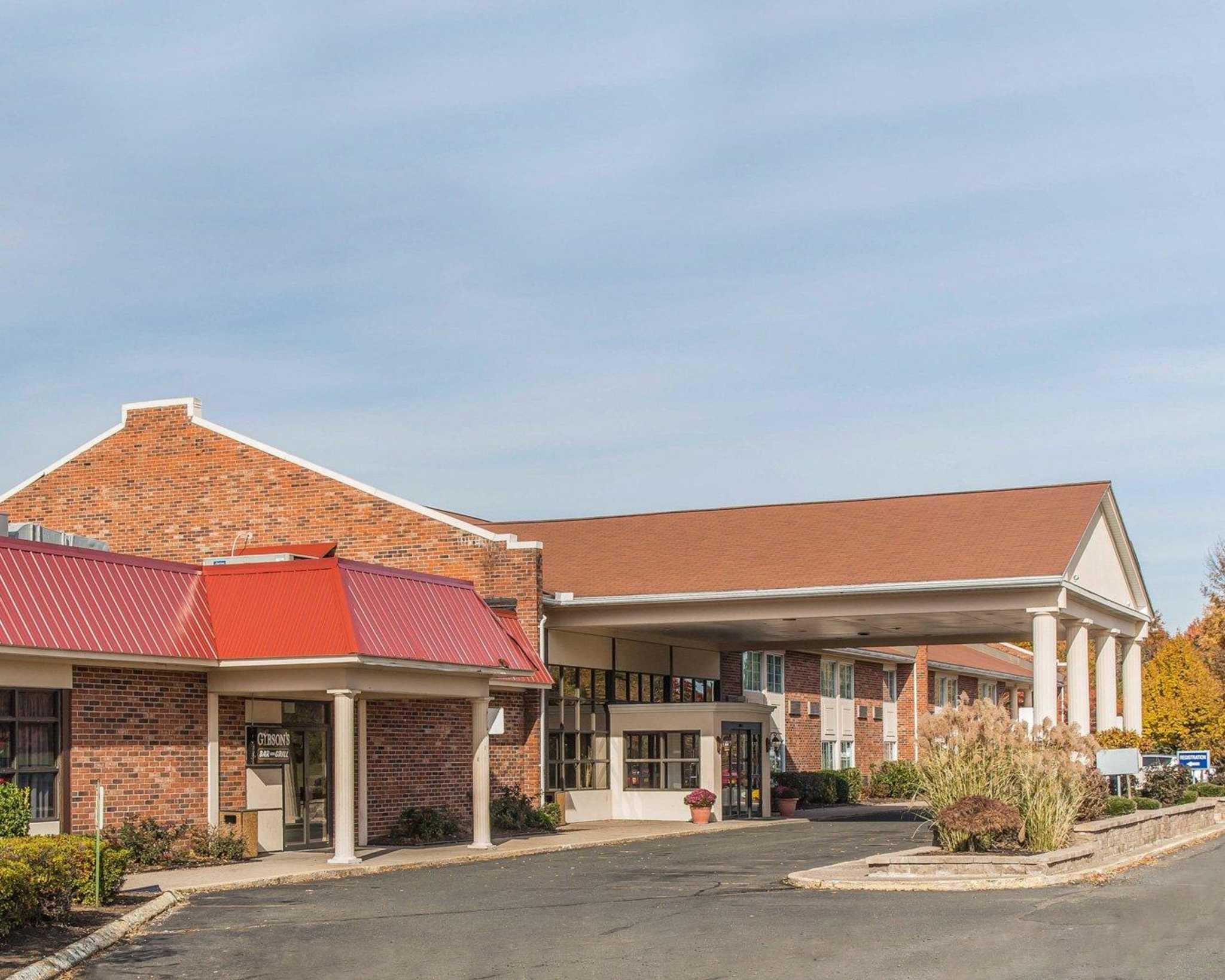 Rodeway Inn & Suites Bradley Airport image 10