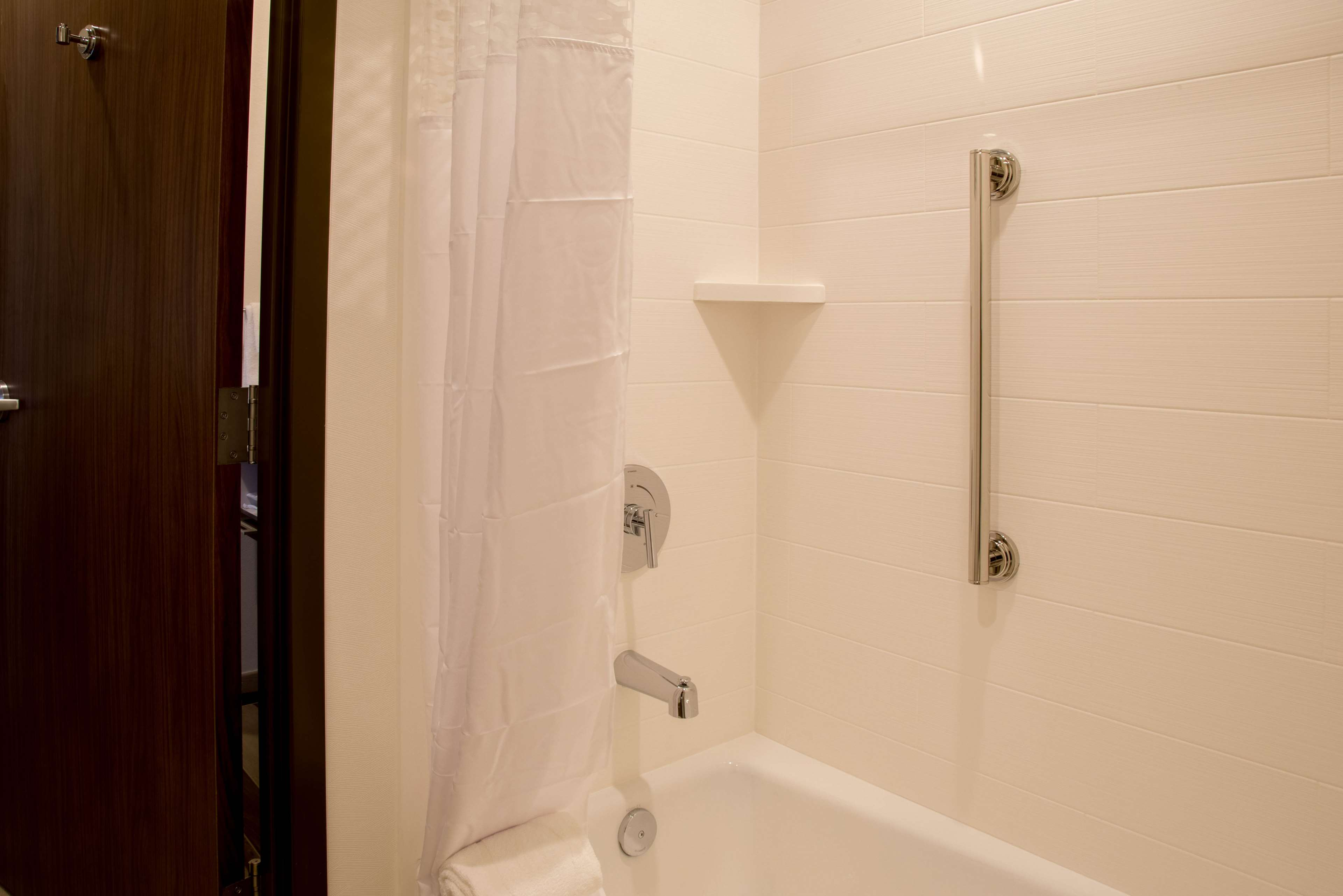 Hampton Inn & Suites Murrieta Temecula image 25