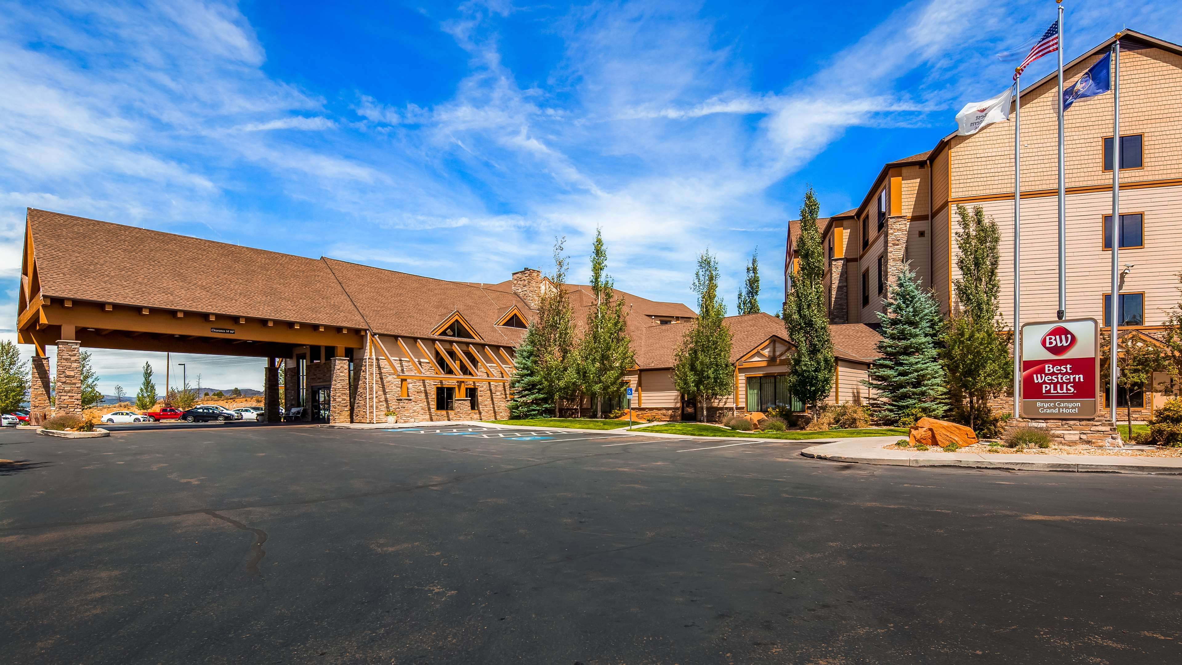 Best Western Plus Bryce Canyon Grand Hotel image 1