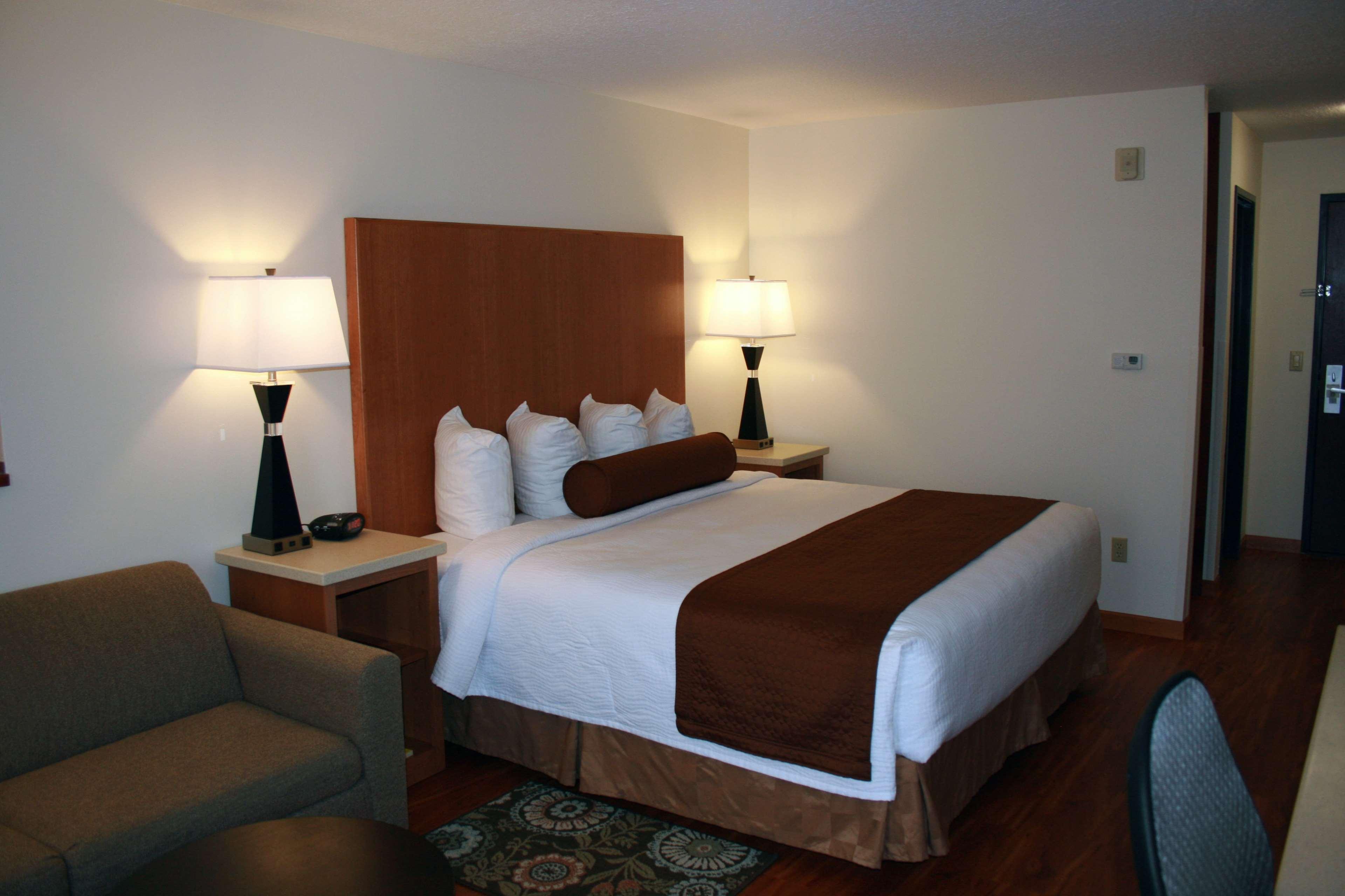 Best Western Plus Park Place Inn & Suites image 25