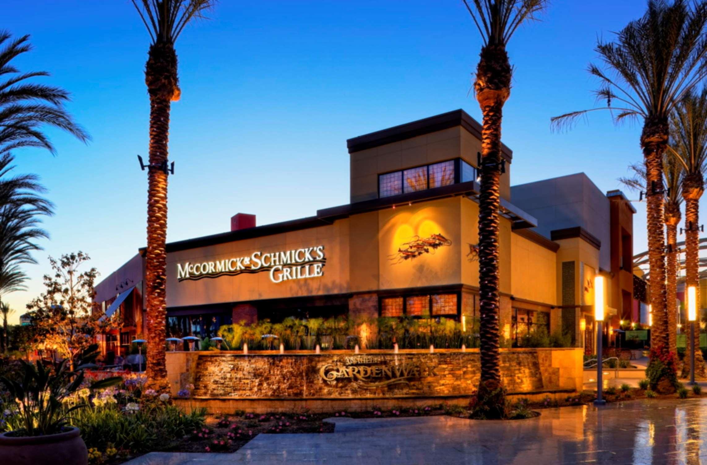 DoubleTree by Hilton Hotel Anaheim - Orange County image 21