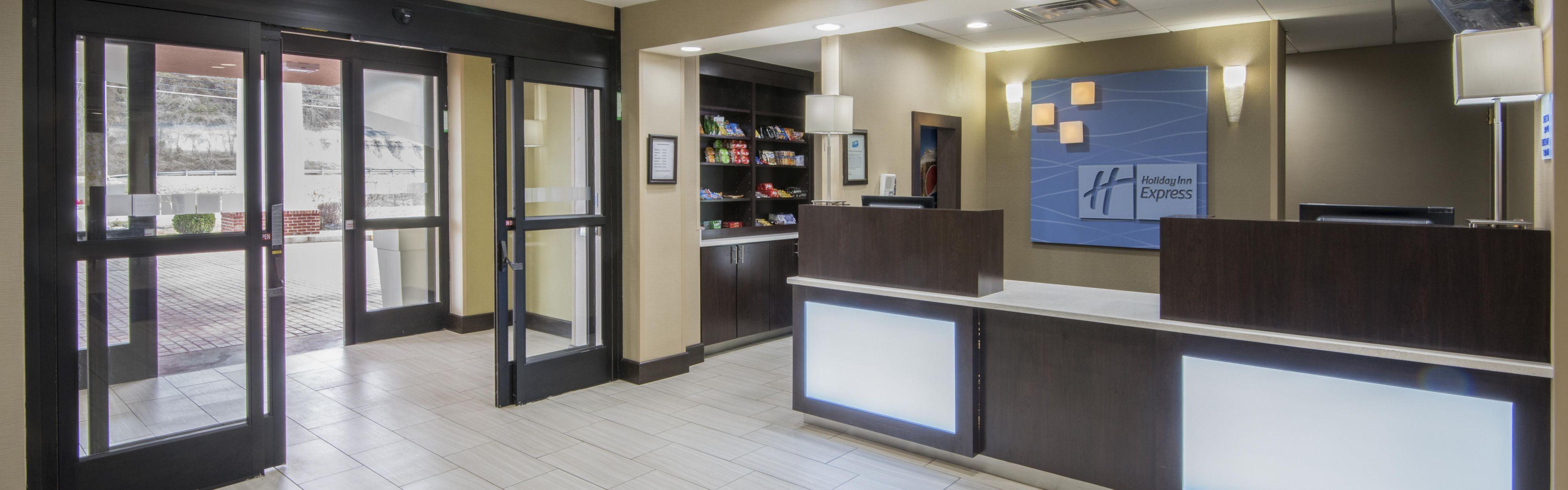 Holiday Inn Express & Suites Ashland image 0