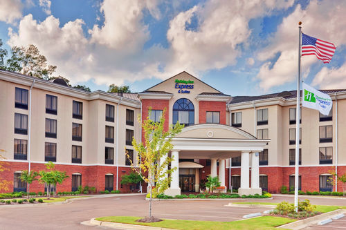 Holiday Inn Express & Suites Jackson - Flowood image 0