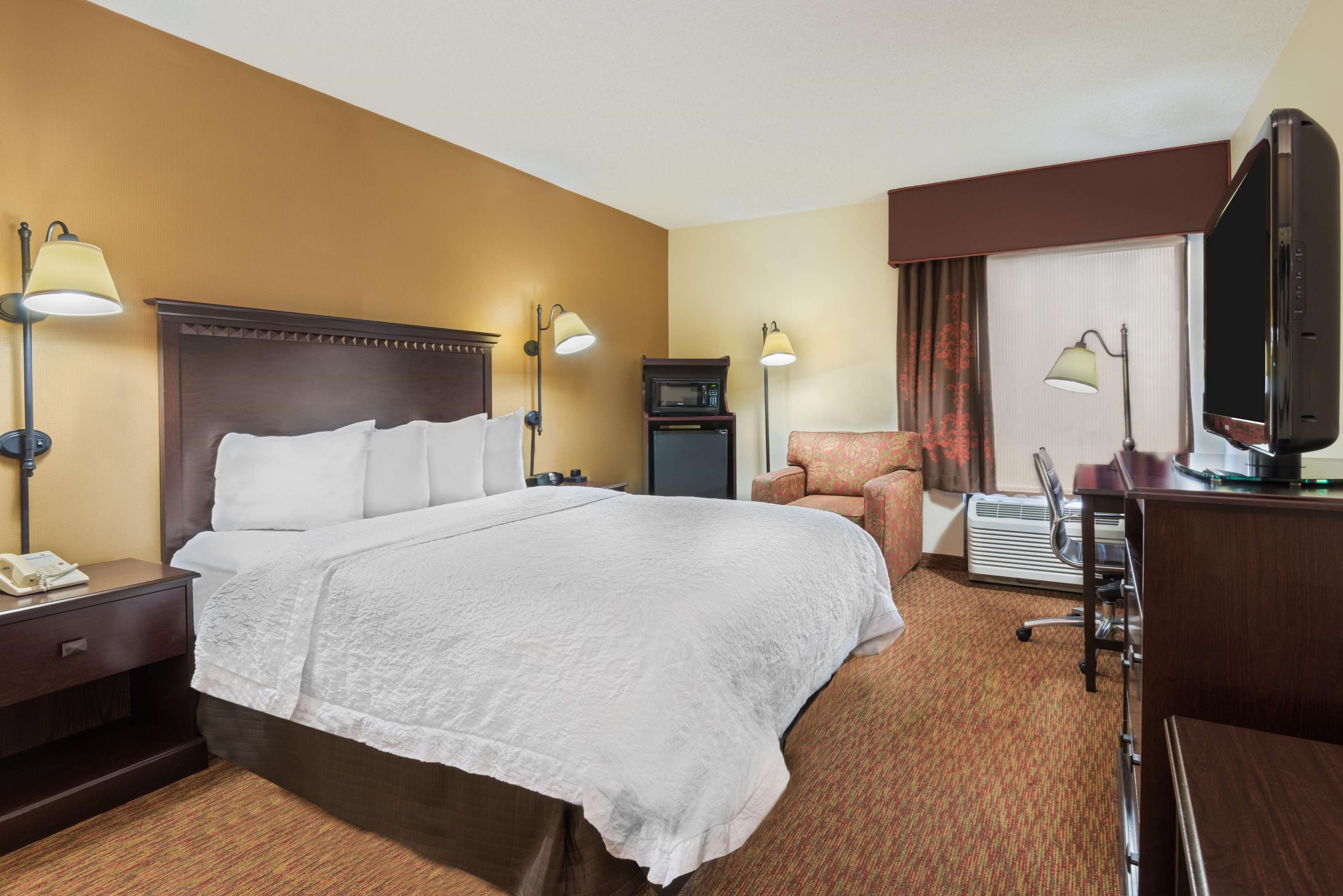 Hampton Inn Charlotte-University Place image 20