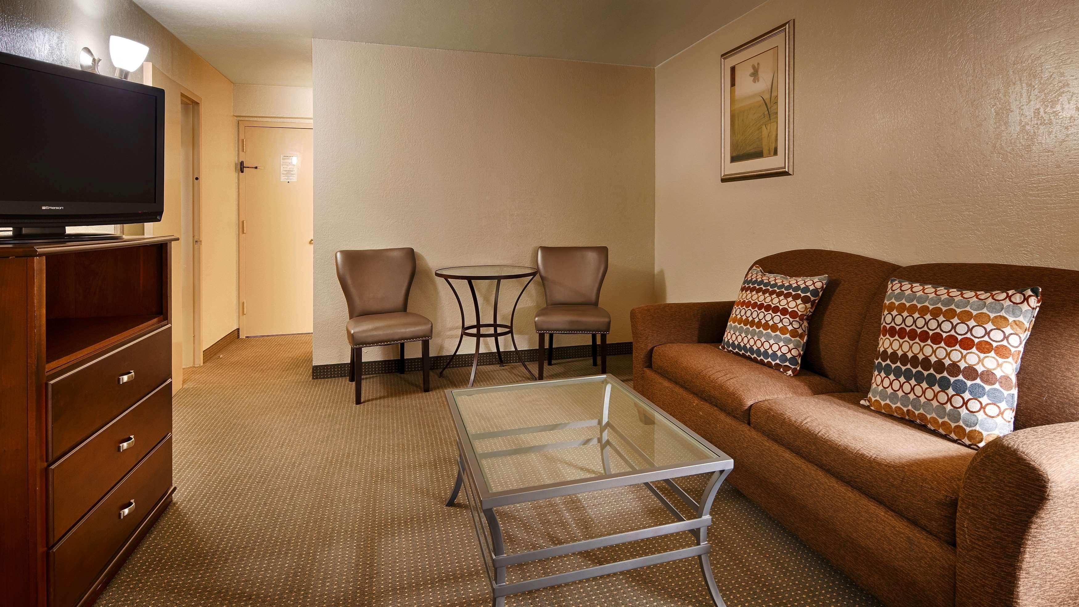 Best Western Plus Lawton Hotel & Convention Center image 16